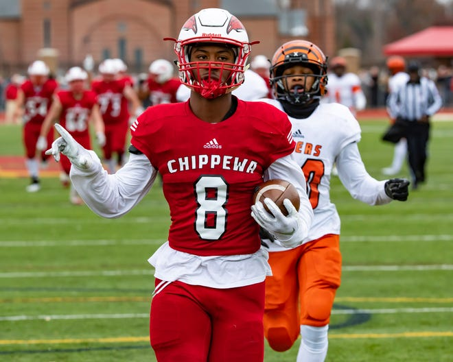 David Ellis and Clinton Township Chippewa Valley will take on Clarkston in the Division 1 state title game.