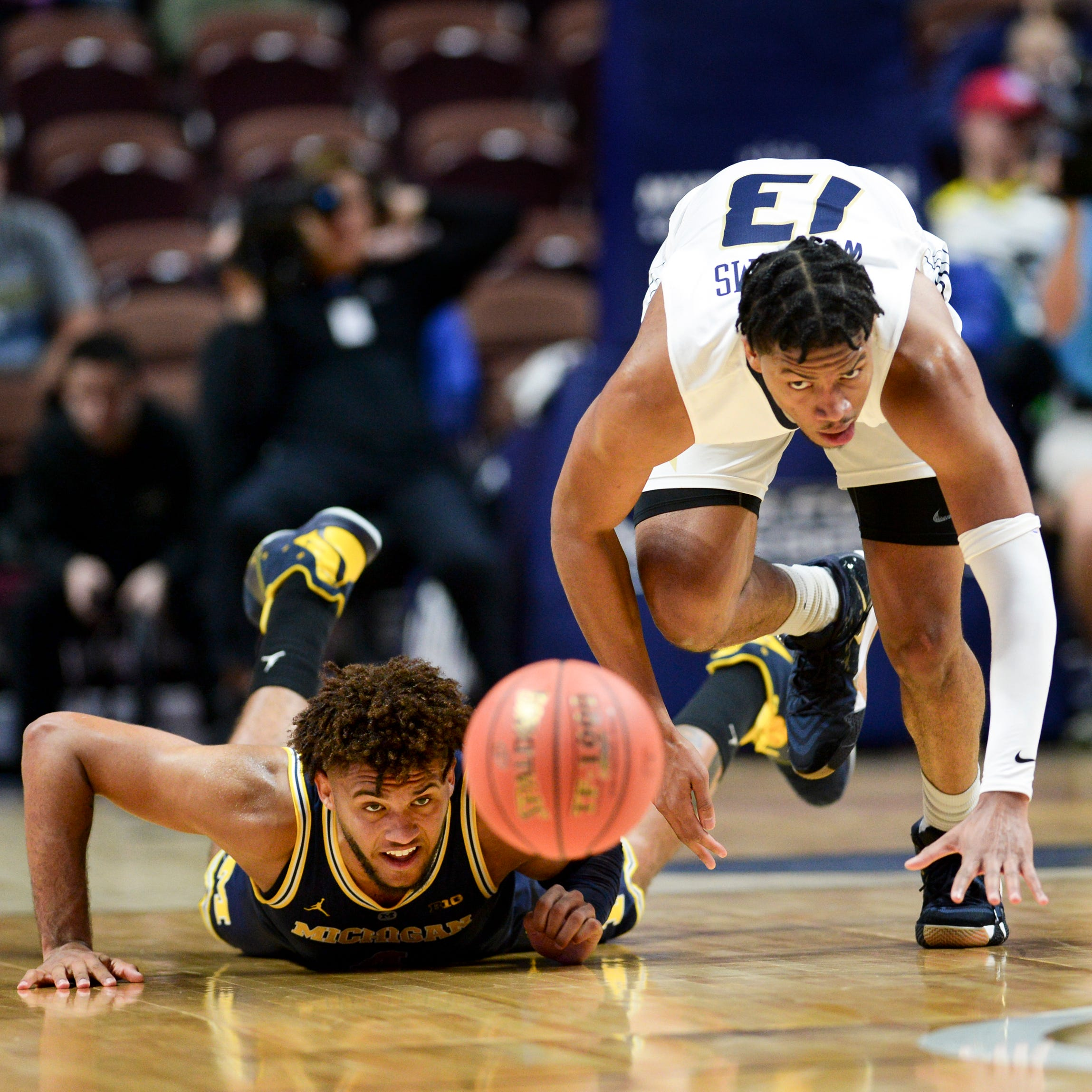 No. 18 Michigan chops down George Washington in latest rout