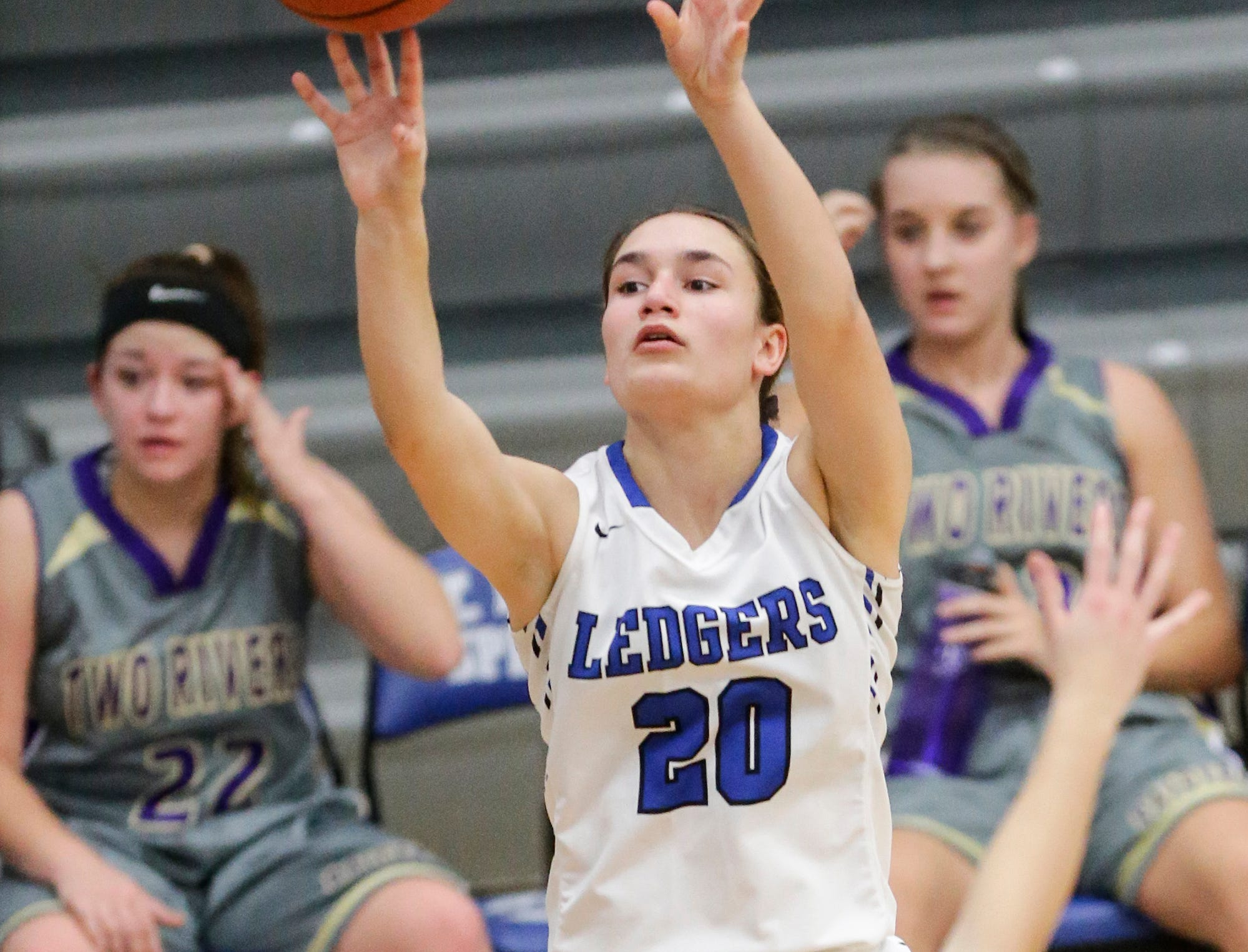 St. Mary's Springs girls basketball's Jenna Gilgenbach attempts a basket against Two Rivers High School during their game Friday, November 16, 2018 in Fond du Lac. Doug Raflik/USA TODAY NETWORK-Wisconsin