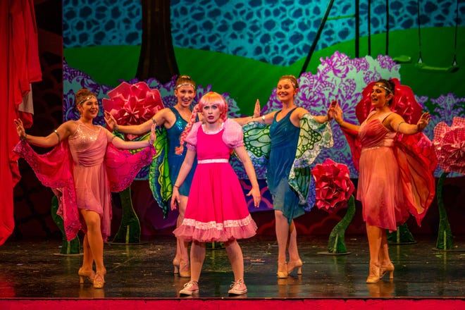 The Butterflies mistake a very pink Pinkalicious for a flower. Actors from left to right: Marina Rose Macherone, Lilianna Solum, Hannah Trowell, Gena Heylock, Claudia Montague.