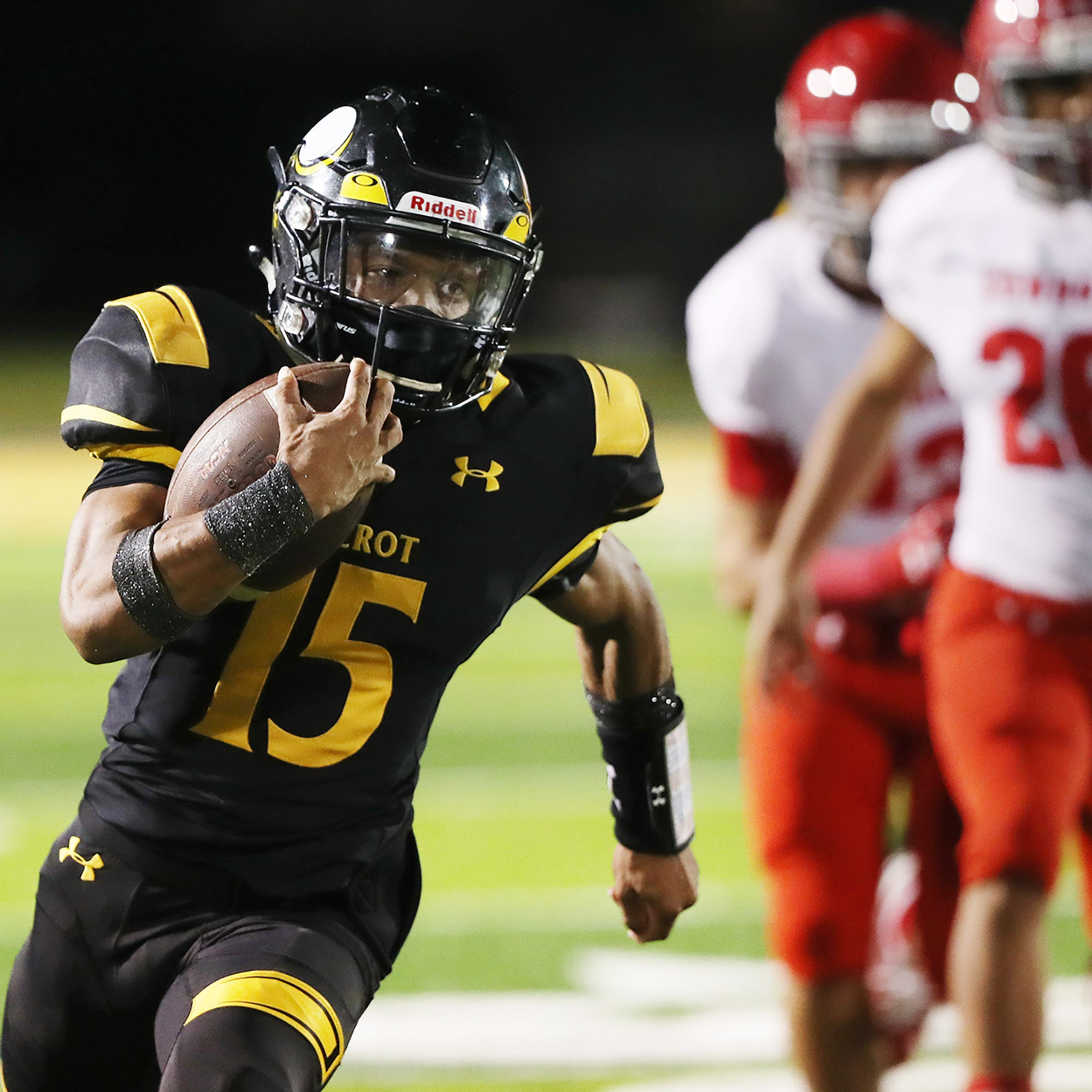 High school football: Bishop Verot shows no signs of rust in playoff rout of LaBelle
