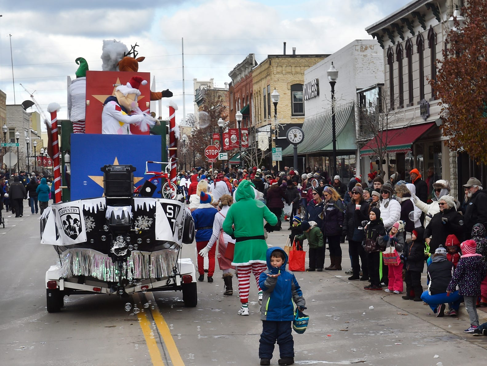 """Selvick Marine & Towing's """"Island of Misfit Toys'' incorporates bubbles in its float at the Christmas By The Bay parade on Saturday, Nov. 17, 2018, in Sturgeon Bay. Tina M. Gohr/USA TODAY NETWORK-Wisconsins"""