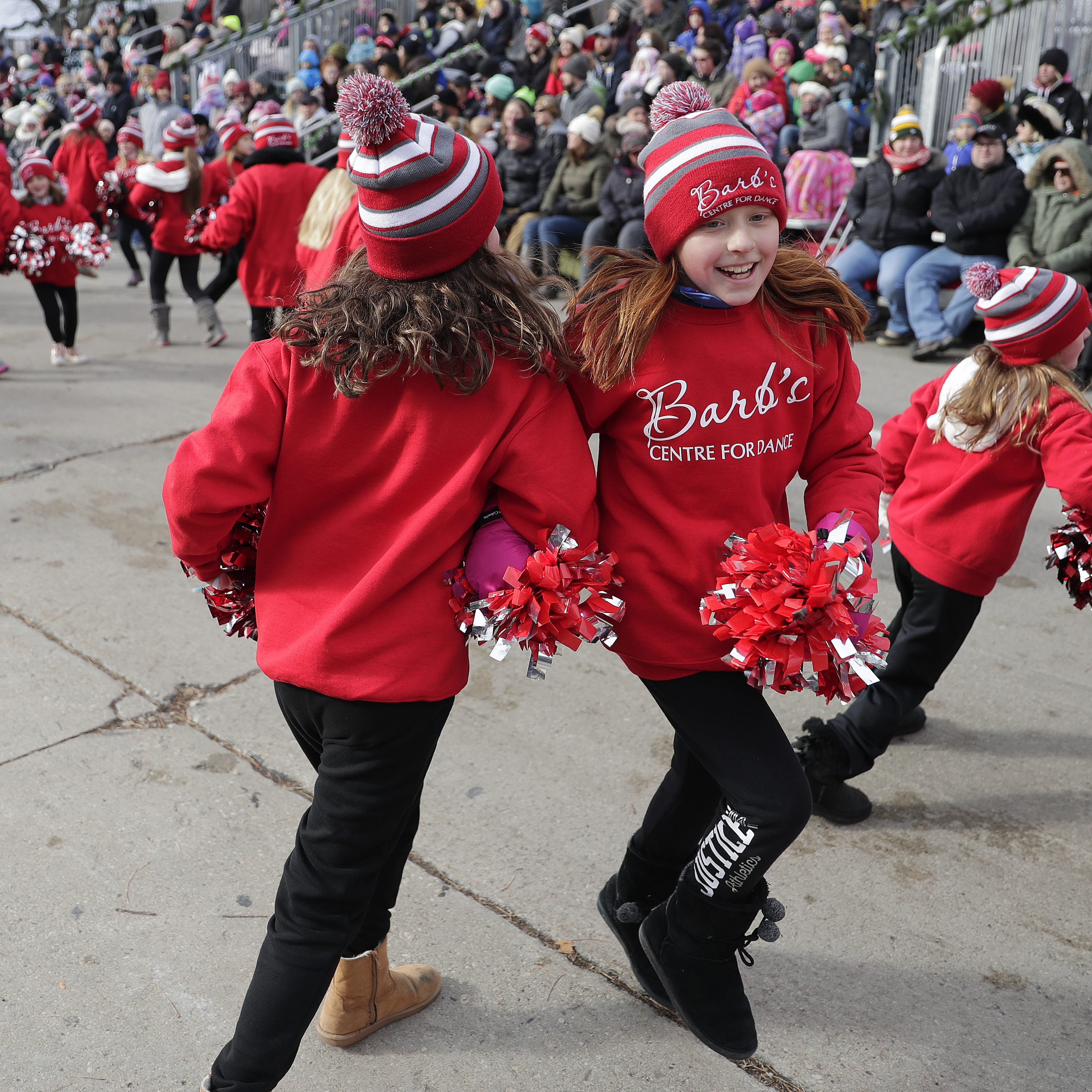 Green Bay's 35 annual Holiday Parade spreads good cheer downtown