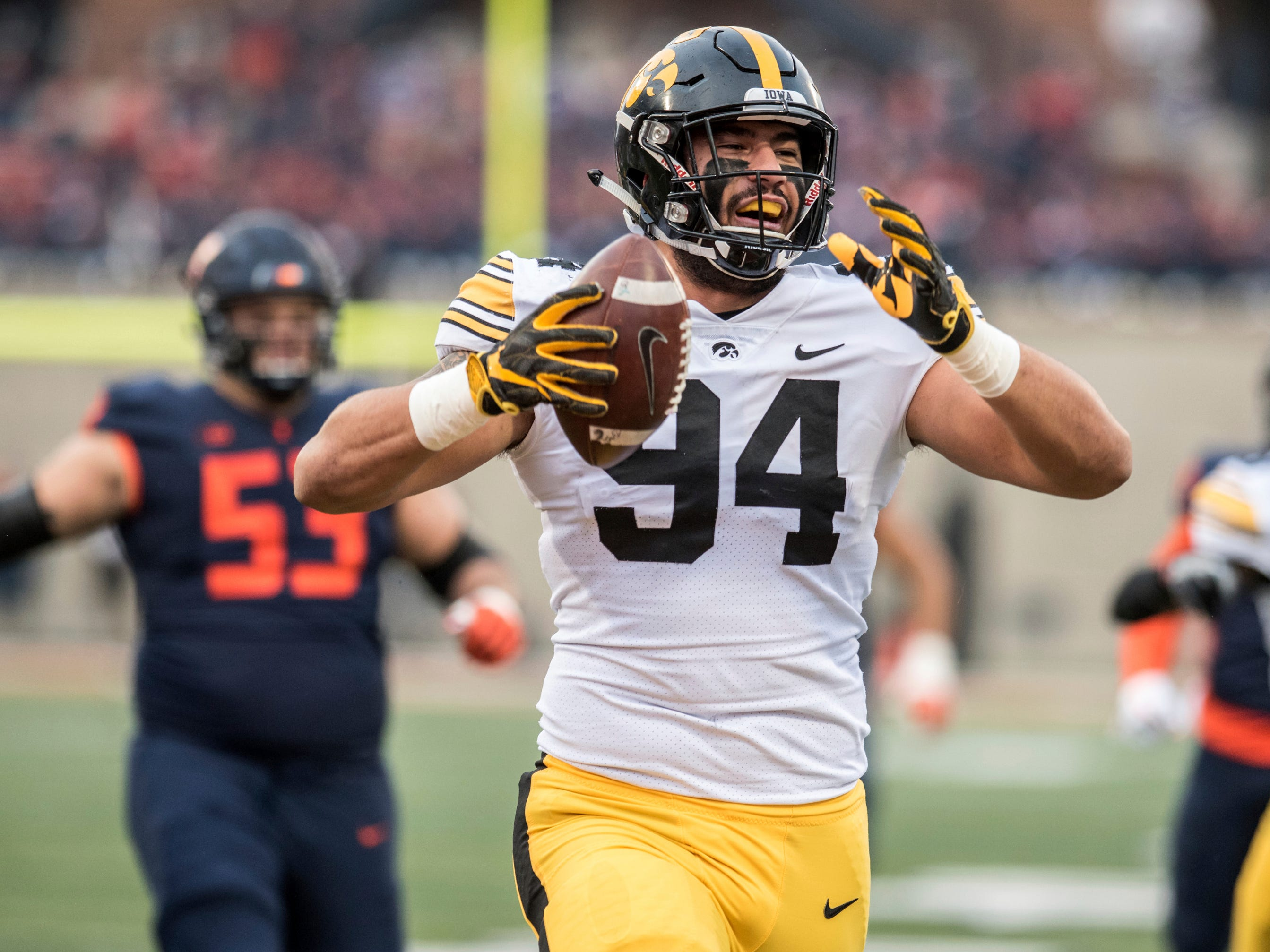 Leistikow's Final Thoughts: A.J. Epenesa, Hawkeyes unleash frustration on Illinois