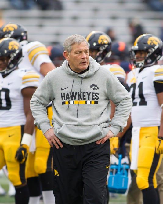 Ncaa Football Iowa At Illinois