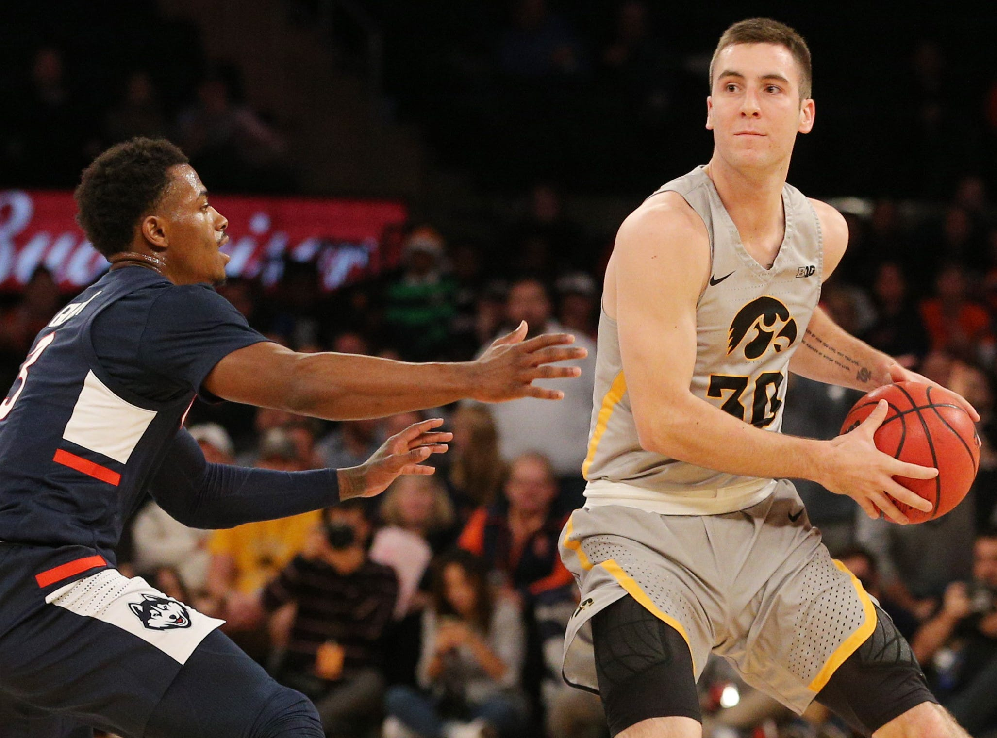 'Everybody who came here stepped up': Behind team effort and togetherness, Iowa takes 2K Classic