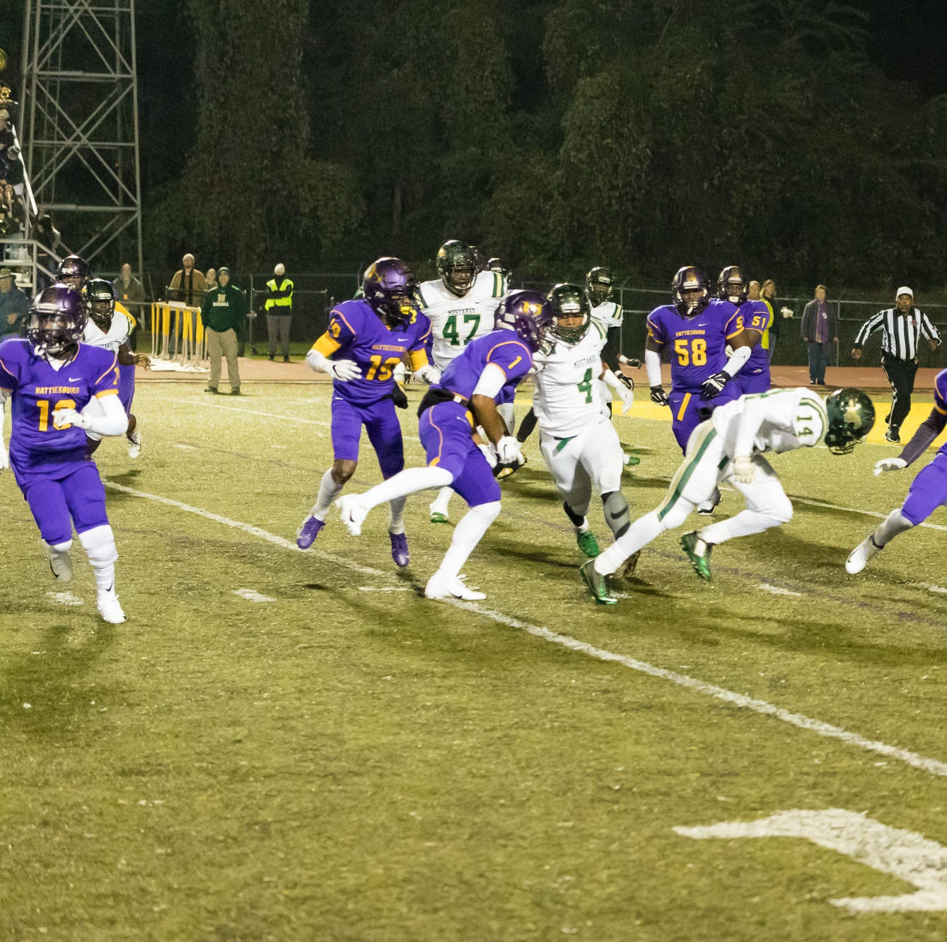 West Jones upsets No. 1 Hattiesburg in South State semifinal 37-14