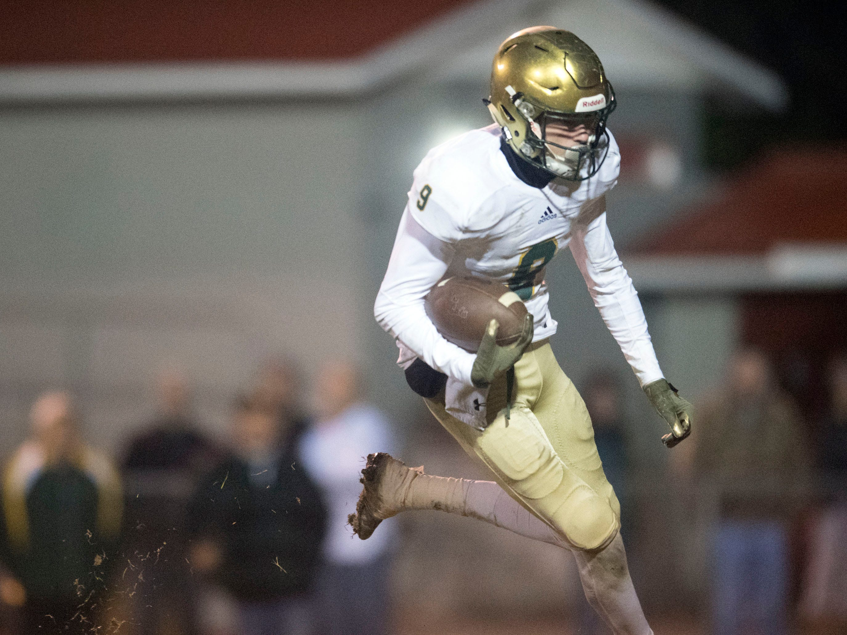 Knoxville Catholic's Adam Jones (9) on a touchdown run. Knoxville Catholic defeats Oak Ridge, 42-40 in the 5A quarterfinals on Friday, November 16, 2018.