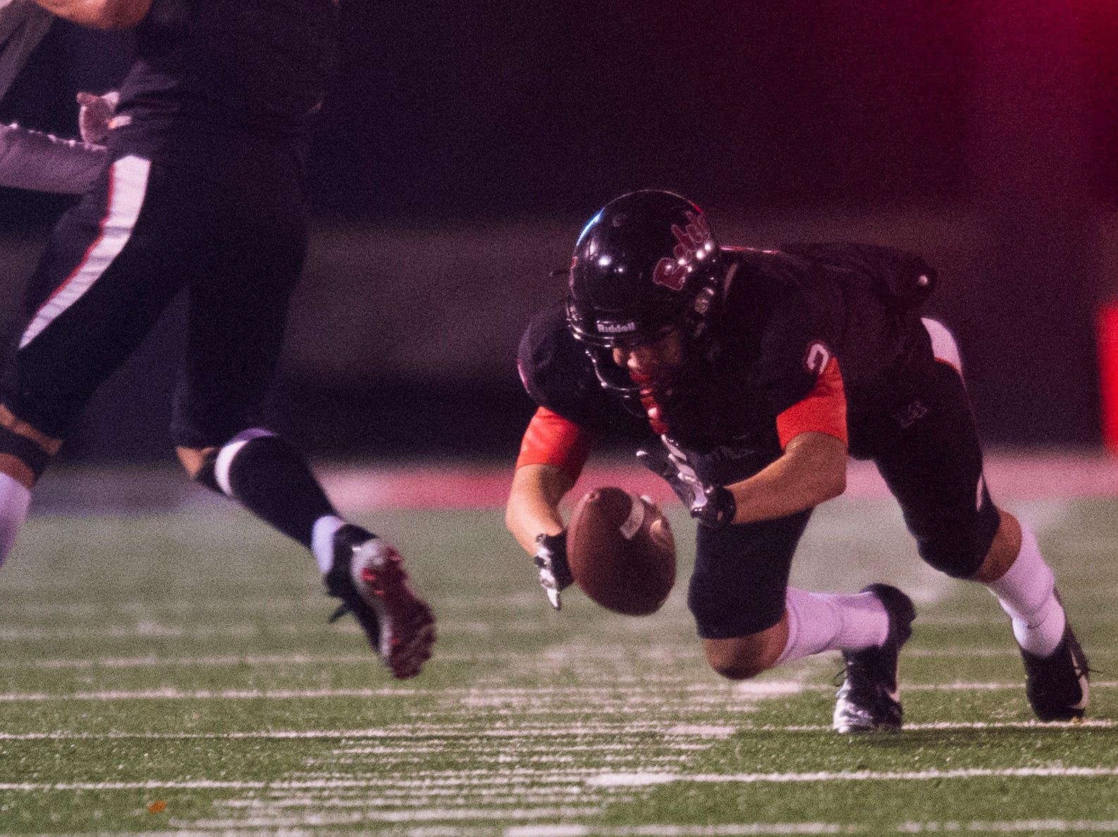 Maryville's Ashton Maples (2) dives for the ball during a 6A quarterfinal game between Maryville and Farragut at Maryville Friday, Nov. 16, 2018. Maryville defeated Farragut 26-10.