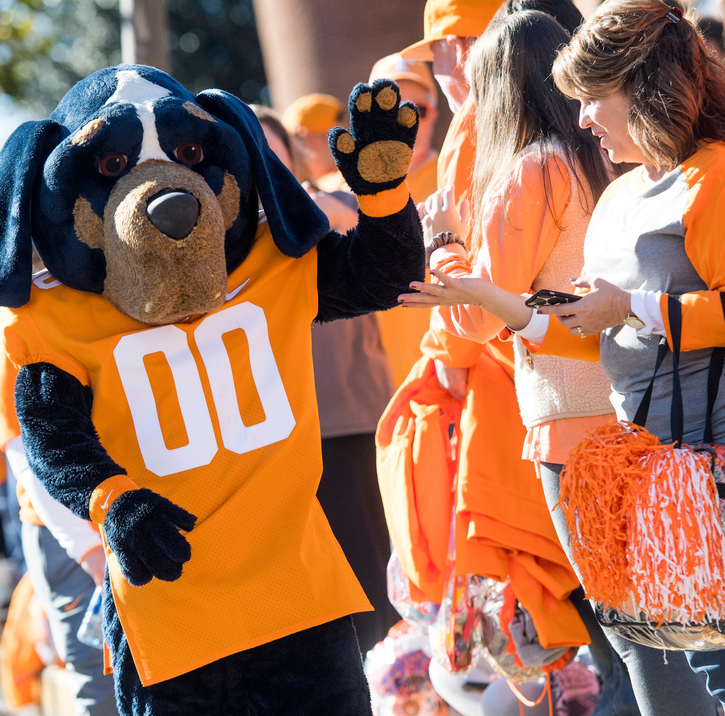 Christmas gifts for UT Vols fans, Tennessee QB Jarrett Guarantano, Neyland Stadium and more