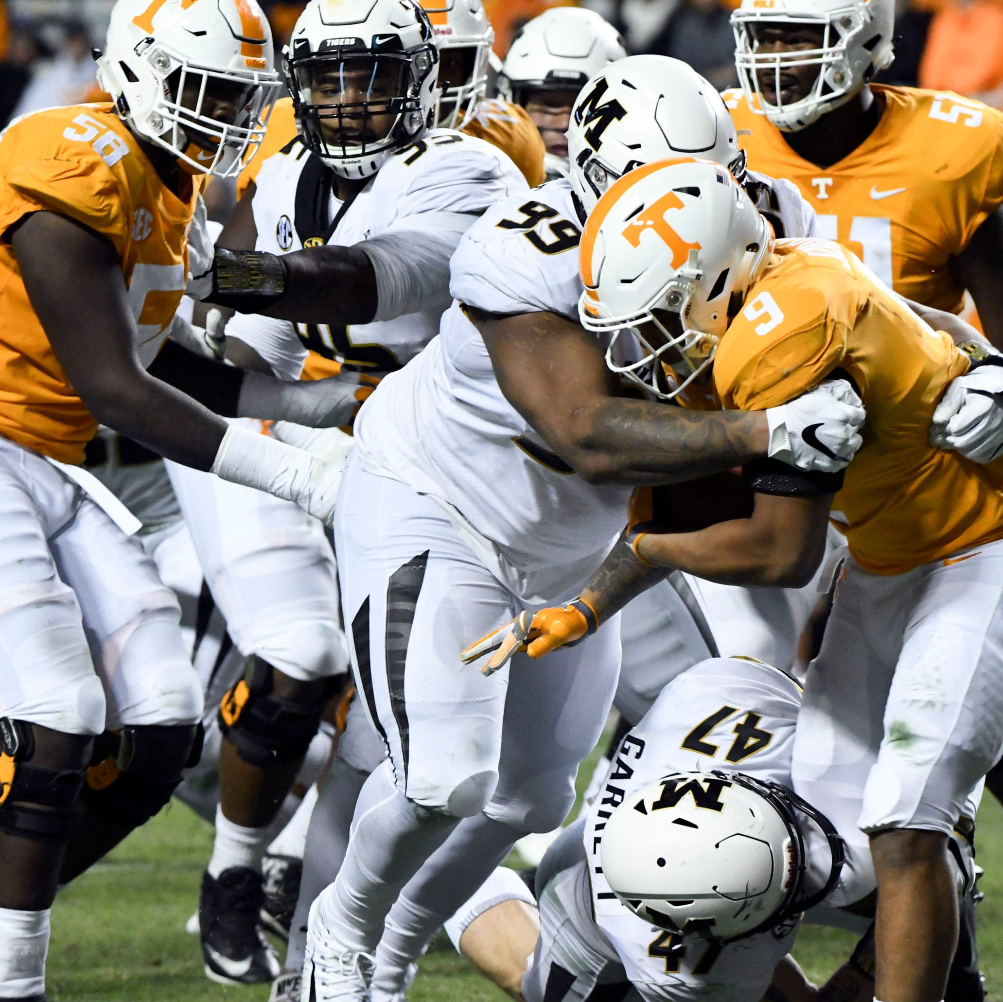 UT Vols football continues Jekyll-and-Hyde season in clunker of a loss to Missouri