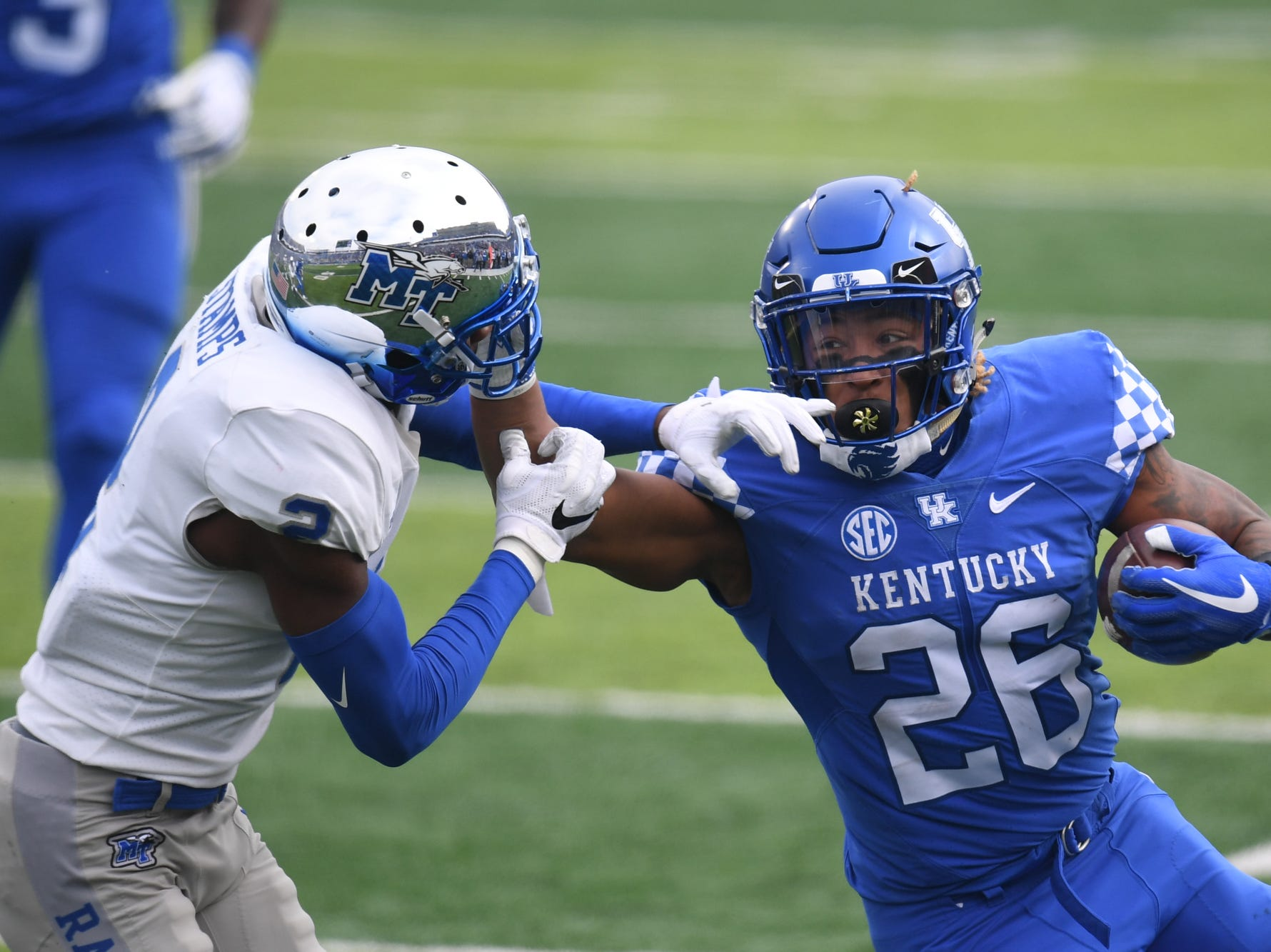 UK RB Benny Snell Jr. runs the ball during the University of Kentucky football game against Middle Tennessee at Kroger Field in Lexington, Kentucky on Saturday, November 17, 2018.