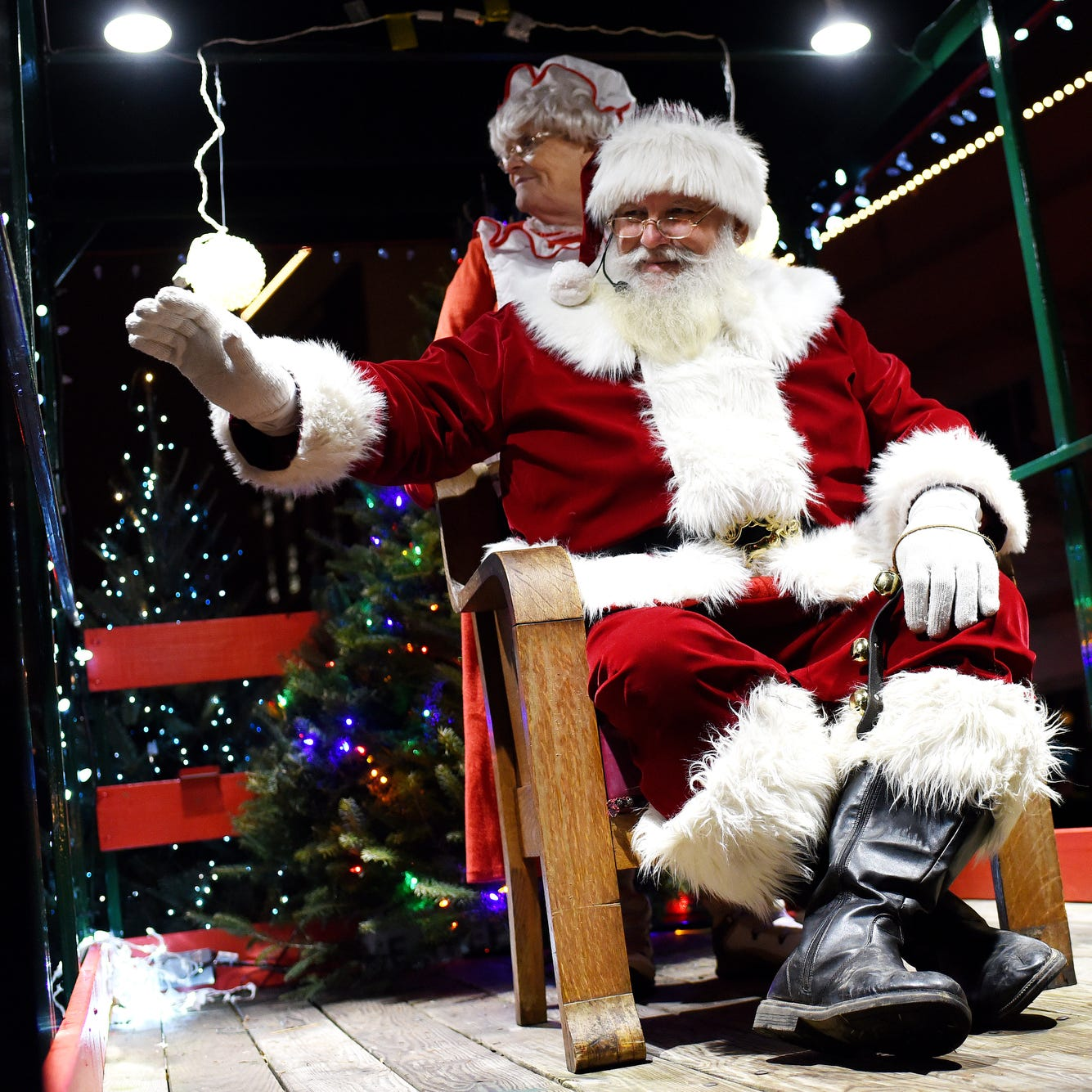 Santa Claus is coming to town: Where to find Santa in Greater Lansing