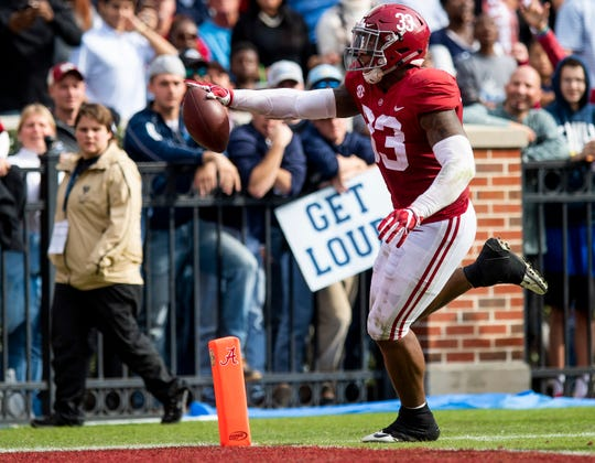 Alabama linebacker Anfernee Jennings (33) scores a touchdown on. A fumble recovery against The Citadel in second half action at Bryant-Denny Stadium in Tuscaloosa, Ala., on Saturday November 17, 2018.