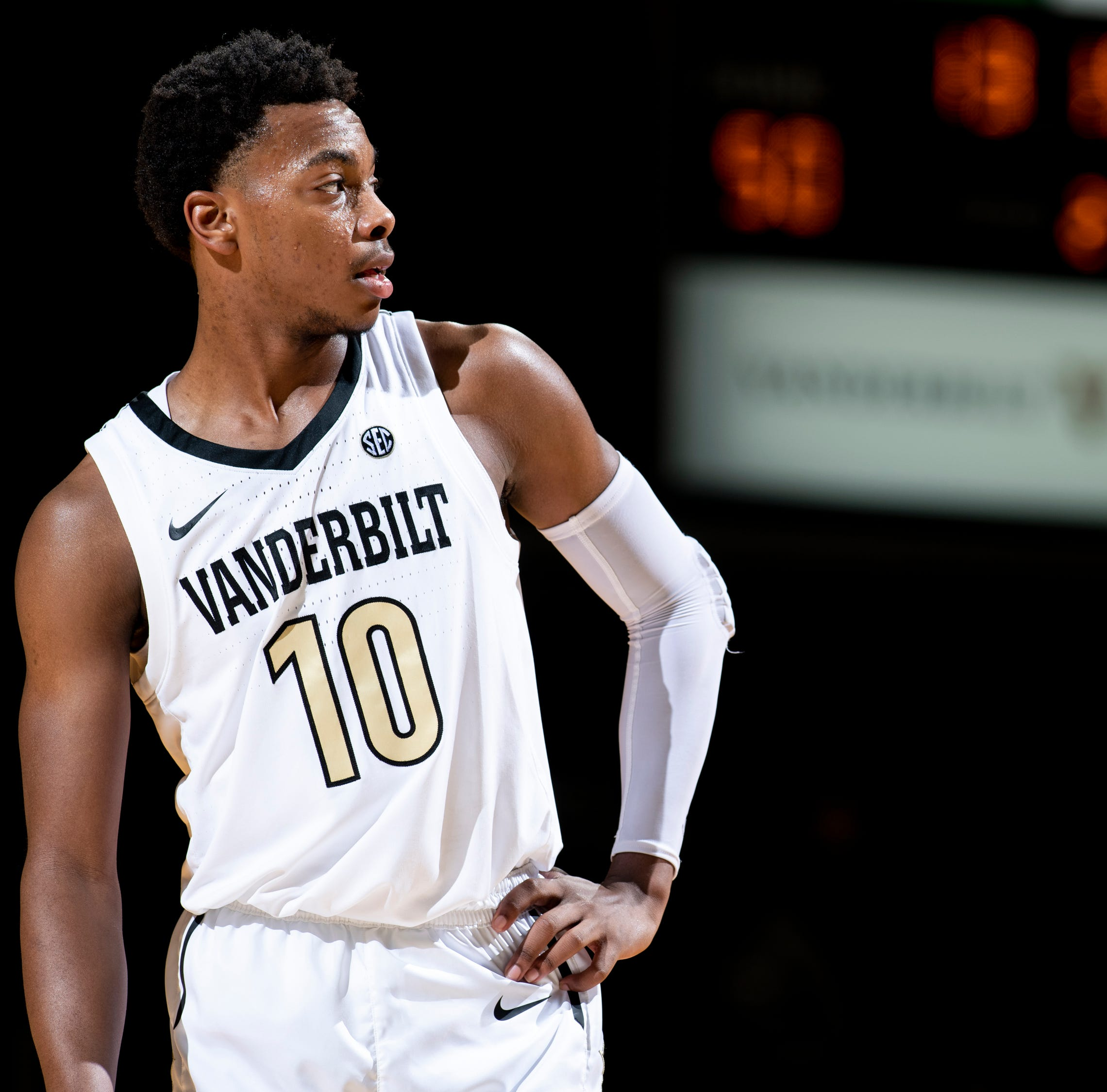 How Darius Garland's 33 points nearly broke Vanderbilt record in his fourth game