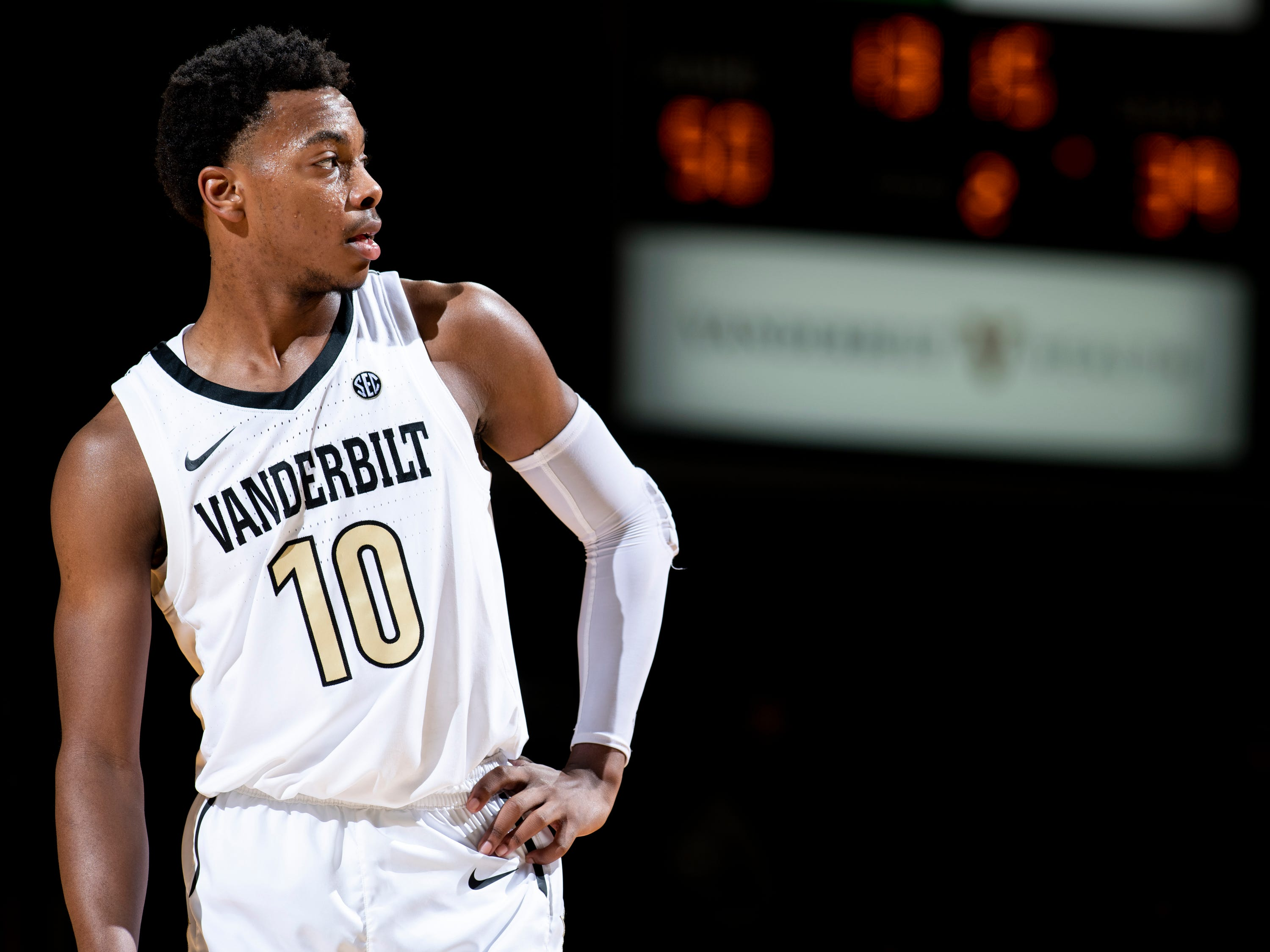 Vanderbilt guard Darius Garland (10) waits for play to resume against Alcorn State during the second half at Memorial Gym in Nashville, Tenn., Friday, Nov. 16, 2018.