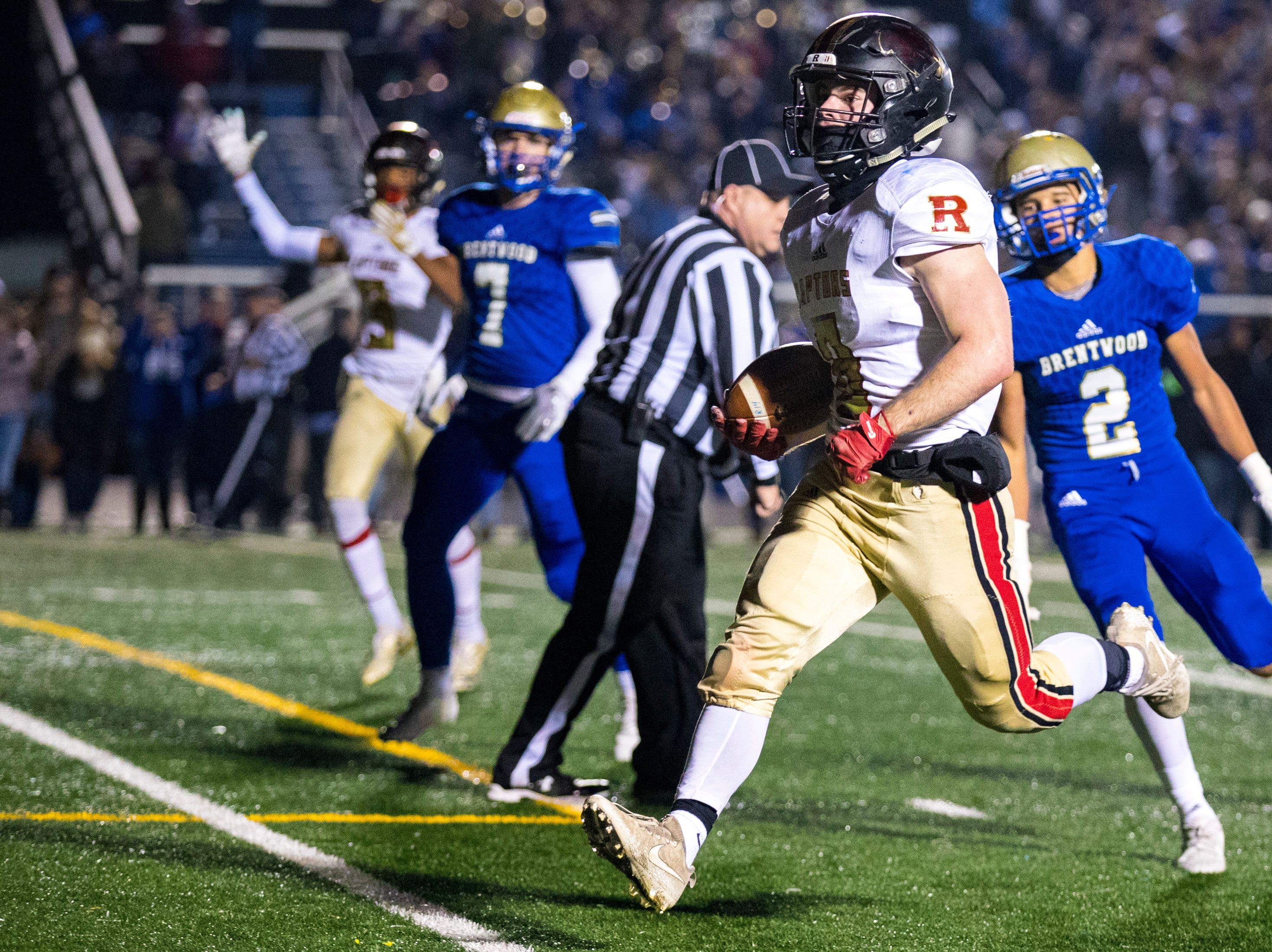 Ravenwood's Rodney Baine (8) scores a touchdown during Brentwood's game against Ravenwood at Brentwood High School in Brentwood on Friday, Nov. 16, 2018.