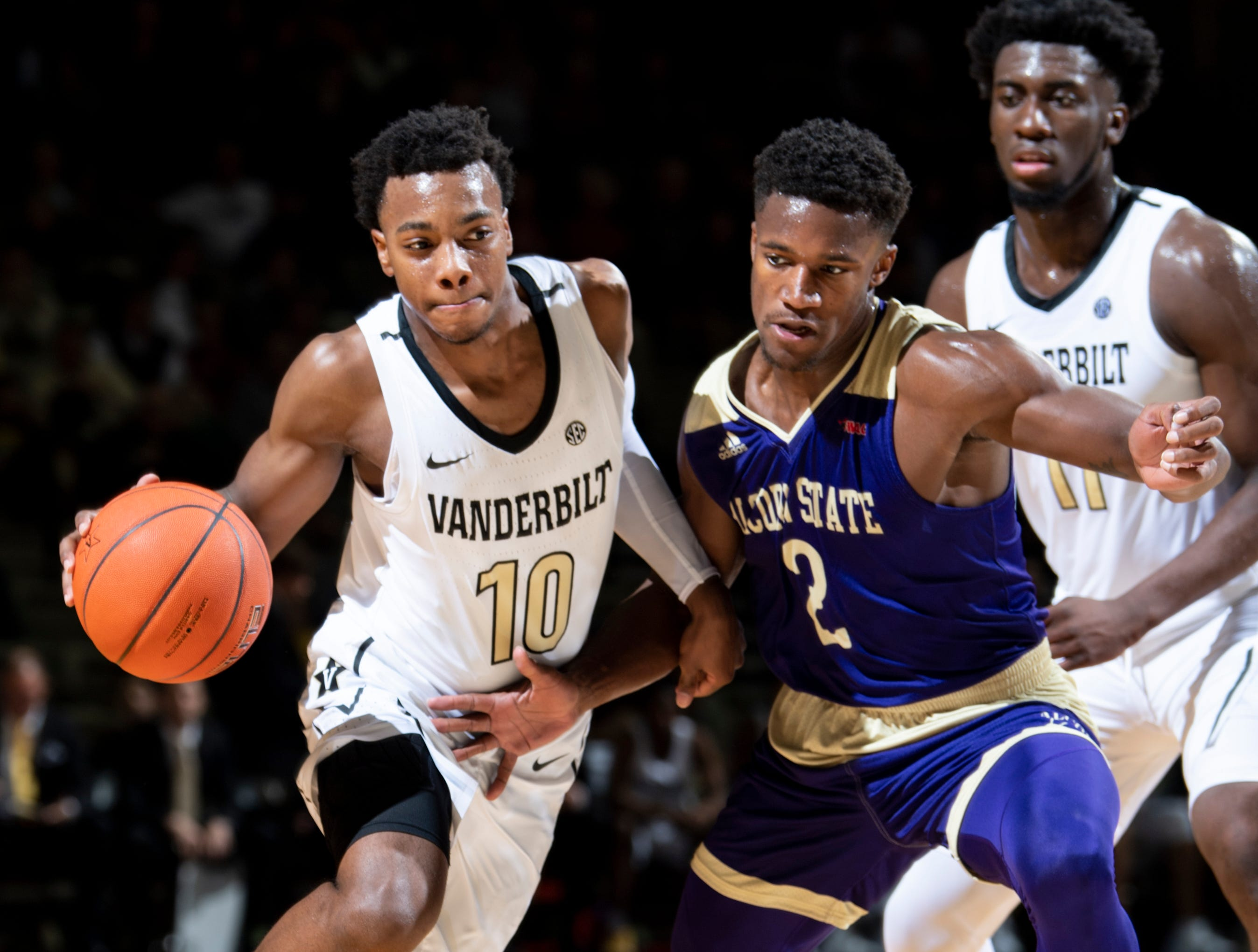 Darius Garland: Garland was supposed to uplift Vandy's hopes in 2018-19, but the Brentwood Academy alum hurt his knee early in the season.