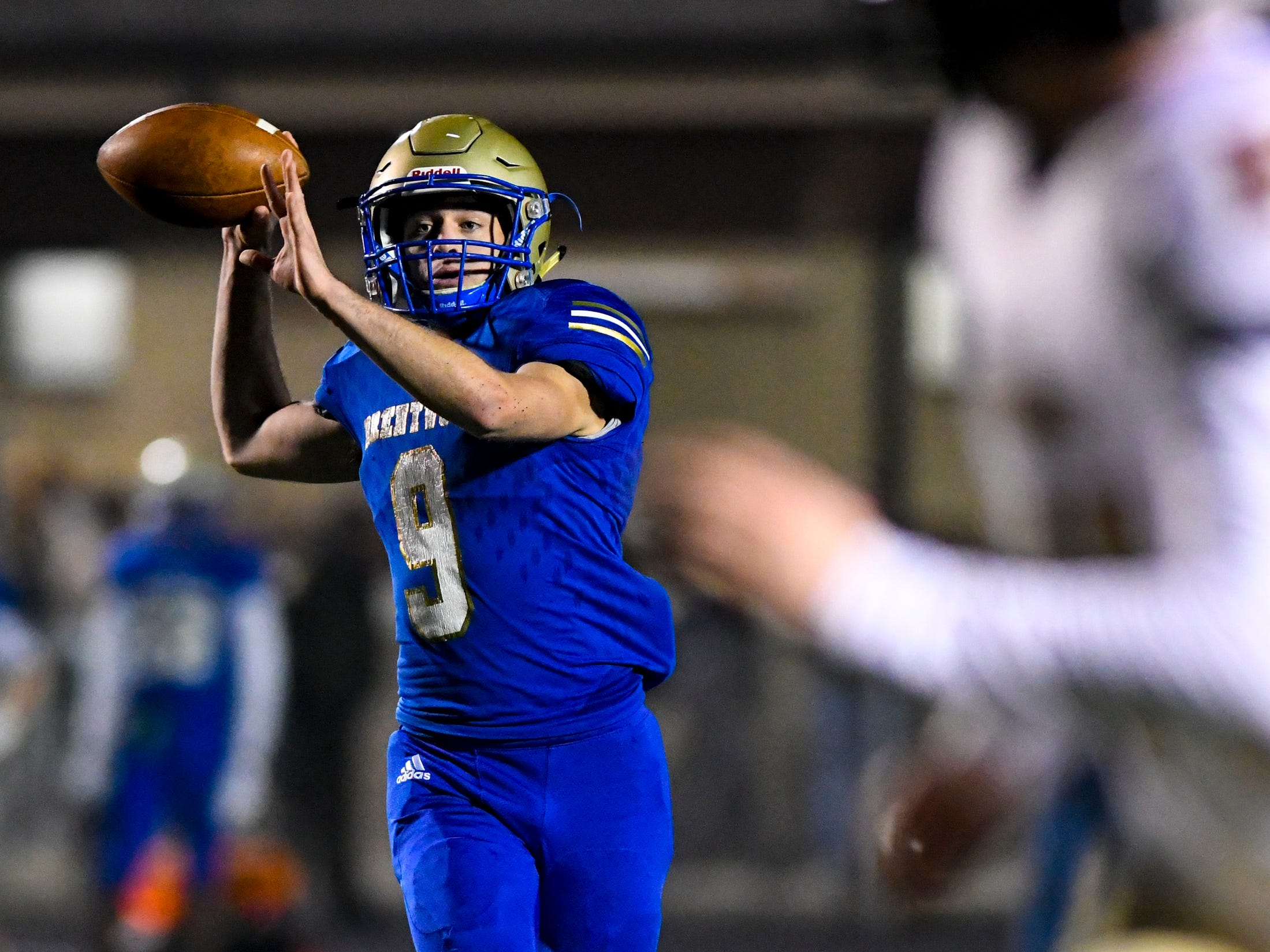 Brentwood's Dylan Stevens (9) passes during Brentwood's game against Ravenwood at Brentwood High School in Brentwood on Friday, Nov. 16, 2018.