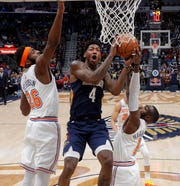 The Knicks gave former New Orleans Pelican Elfrid Payton (4) a two-year deal with a team option, and are hoping that they can help the former 10th overall pick make a jump in his seventh season.