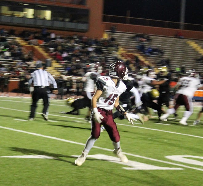 Wildcat senior Marques Barraza during a play at the 3A State Championship Quarterfinal game in November 2018.