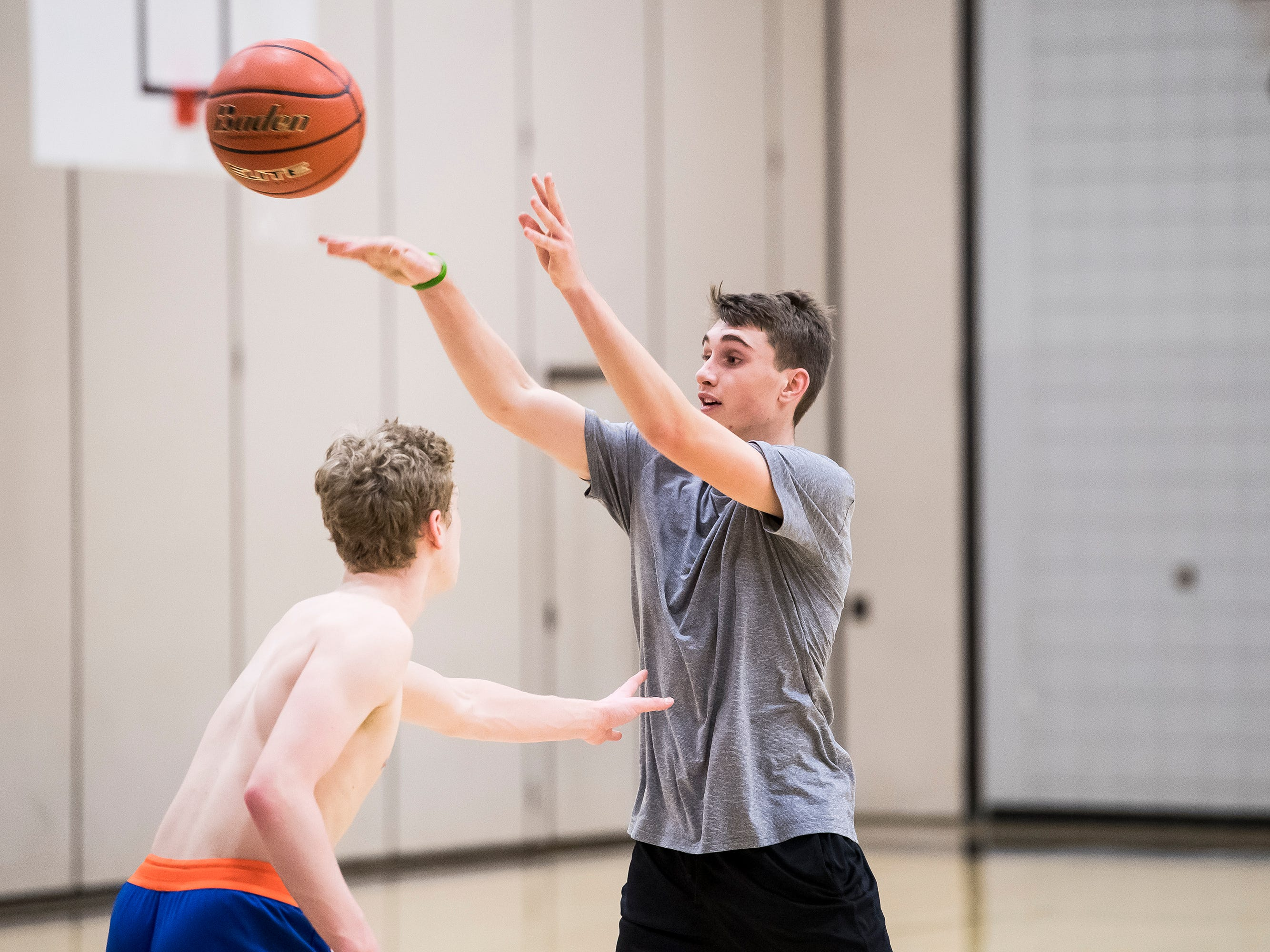 South Western's Angelo Alascio passes the ball during the first official day of winter sports practice on Friday, November 16, 2018.