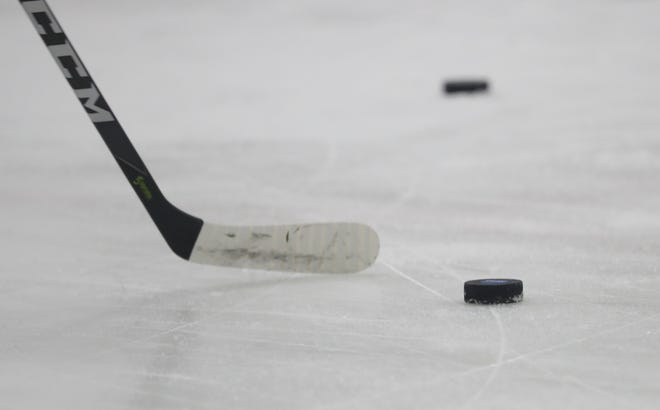 No. 13 Arizona State hockey suffered a second straight loss Saturday night, 3-2 at No. 17 Cornell.