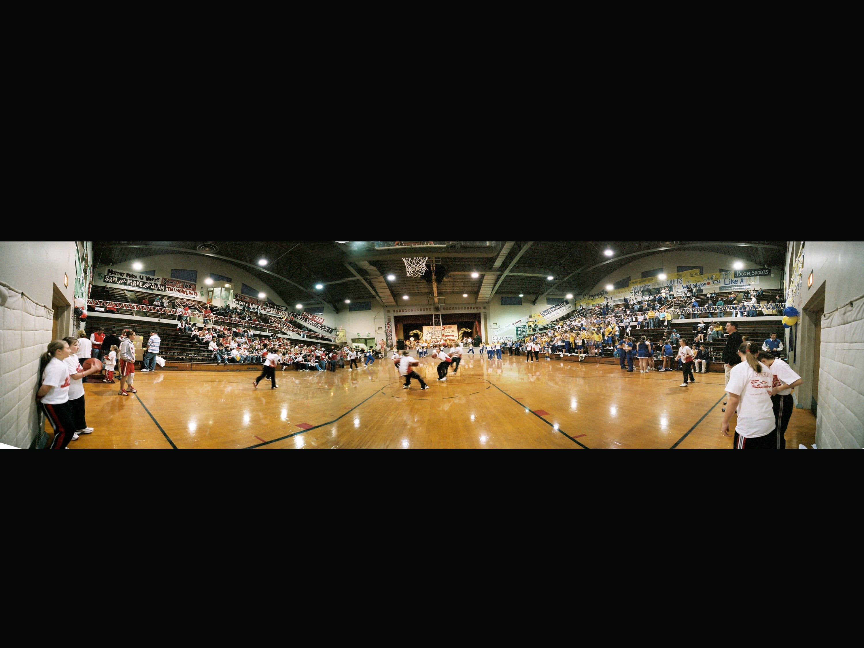 A panoramic inside the Sheboygan Armory during the last North South game in 2007