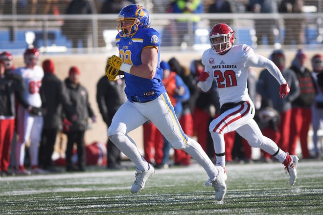 SDSU's Blake Kunz scores a touchdown against USD during the game Saturday, Nov. 17, at Dana Dykhouse Stadium stadium in Brookings.