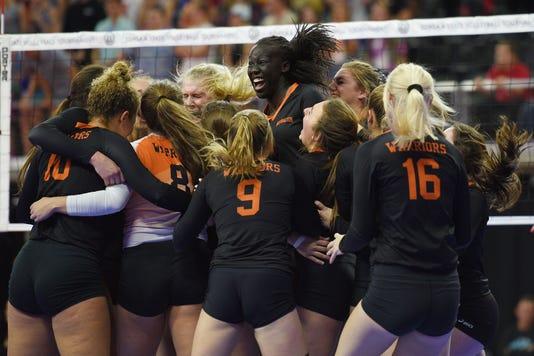 2018 Volleyball Semifinals 052