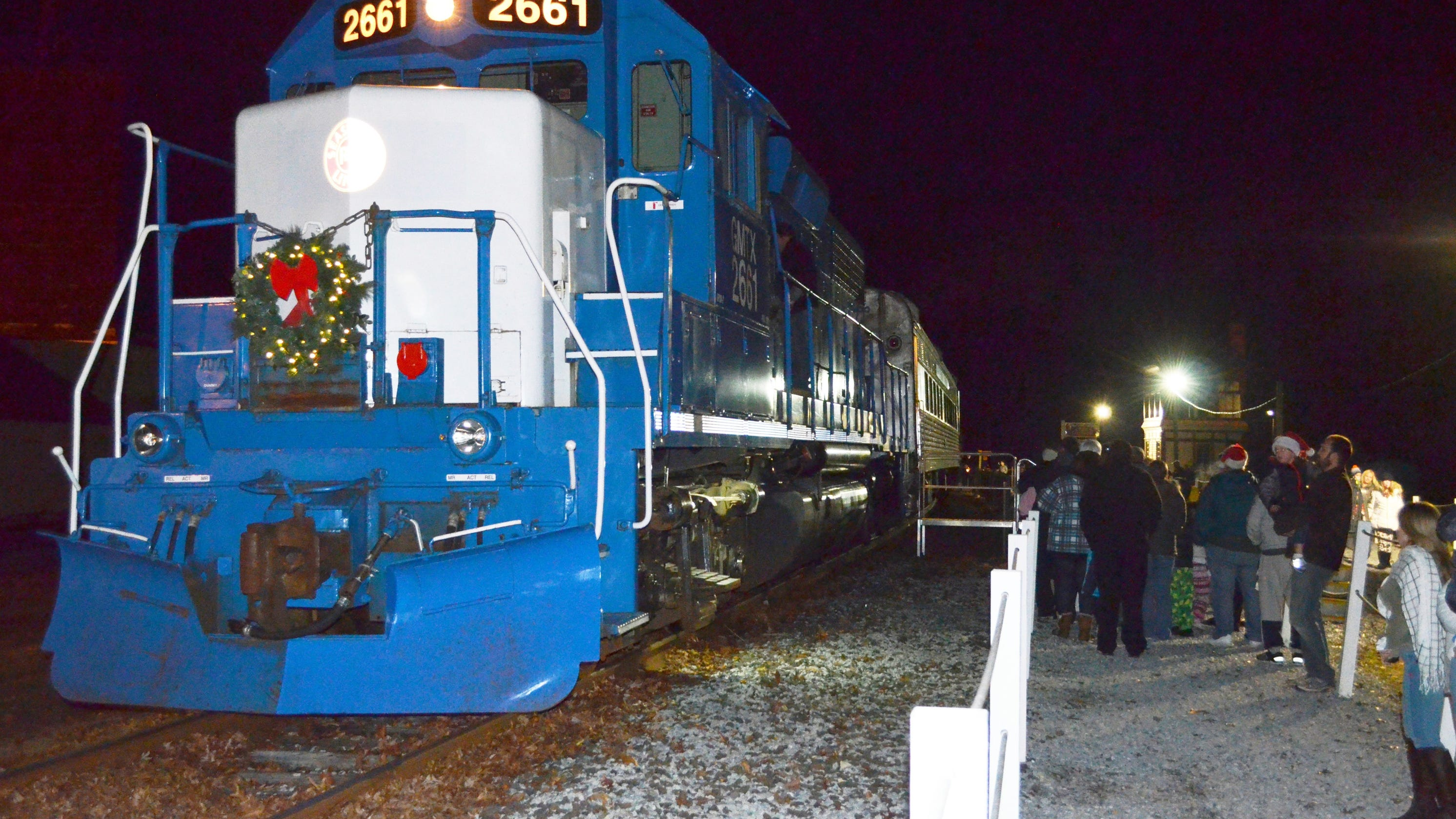 Join Santa For A Holiday Train Ride