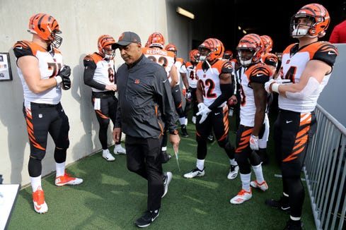 Cincinnati Bengals head coach Marvin Lewis takes the field just before kickoff of an NFL football game against the Baltimore Ravens, Sunday, Nov. 18, 2018, at M&T Bank Stadium in Baltimore.