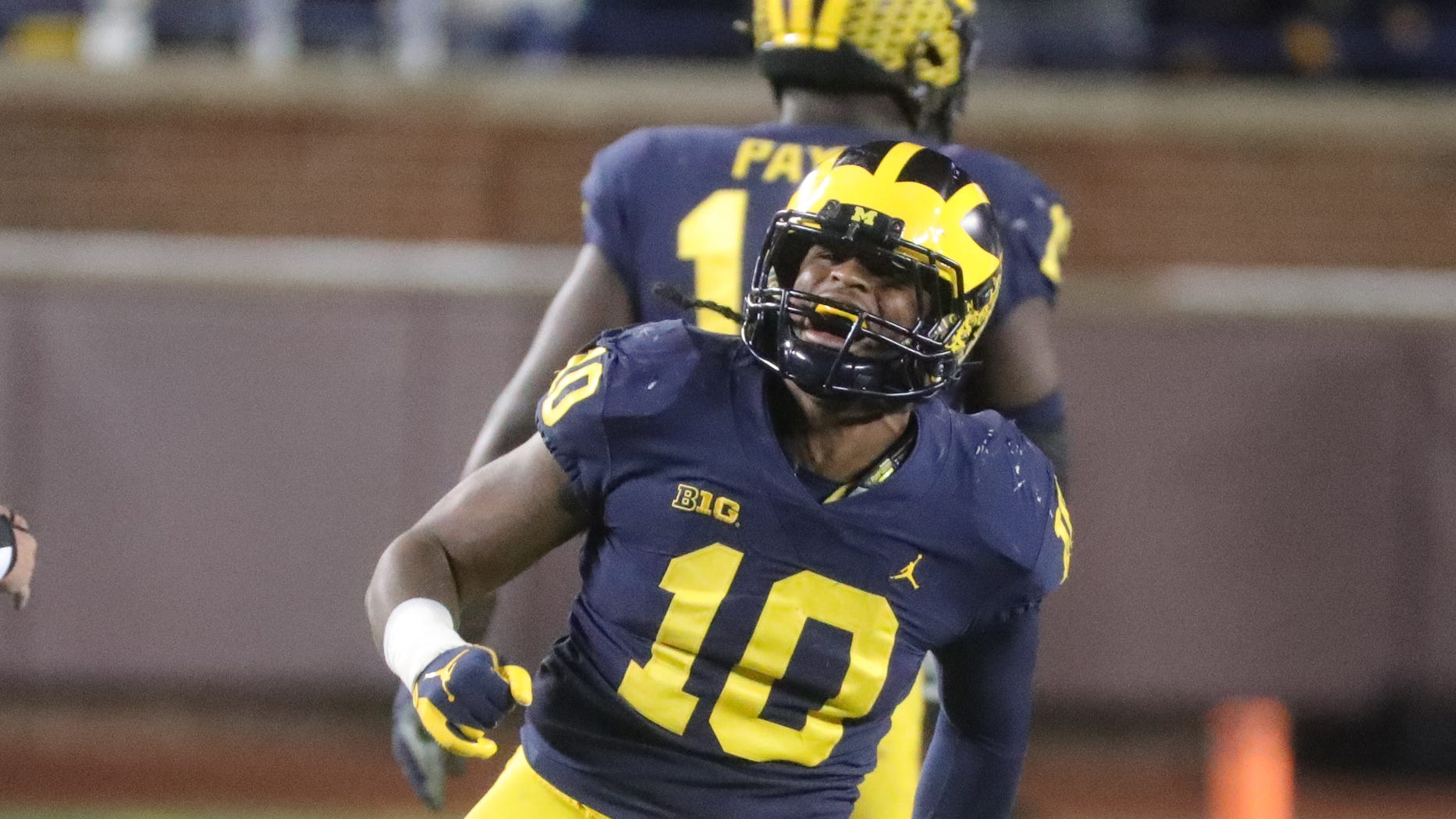 Might Detroit Lions draft Devin Bush? Michigan LB willing to play middle