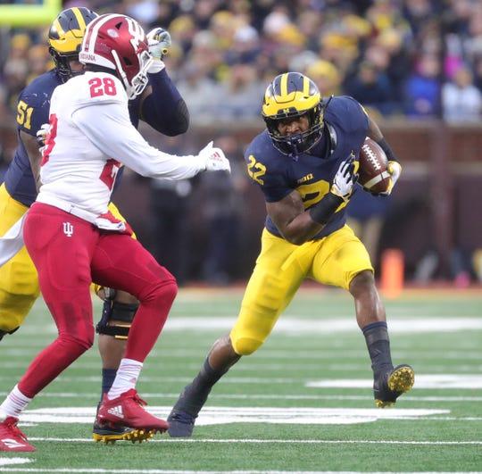 Michigan's Karan Higdon runs the ball against Indiana during the first half Saturday, Nov. 17, 2018 at Michigan Stadium in Ann Arbor.