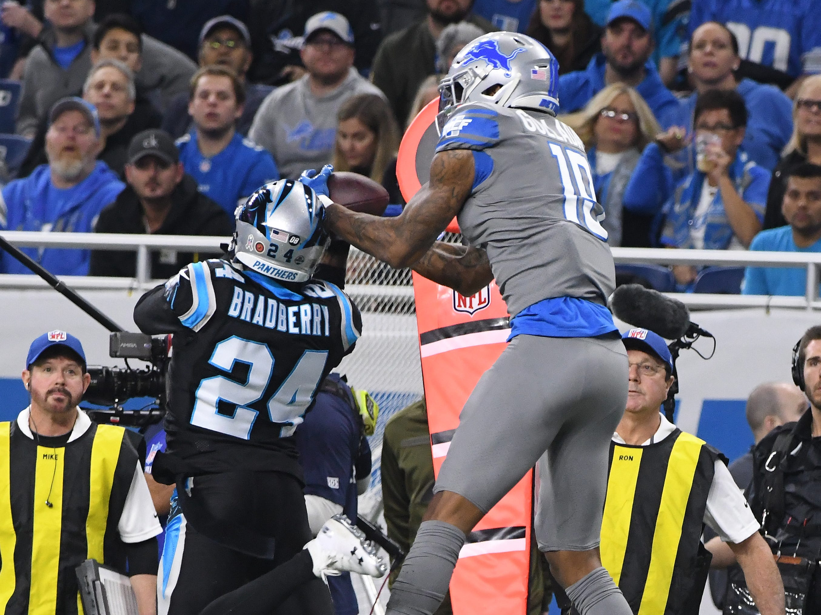 Lions wide receiver Kenny Golladay brings down a reception over Panthers' James Bradberry in the first quarter.