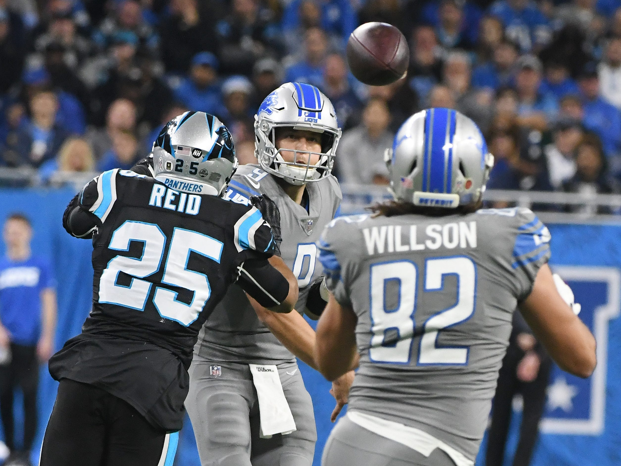 Lions quarterback Matthew Stafford throws an incompletion to tight end Luke Willson in the second quarter.