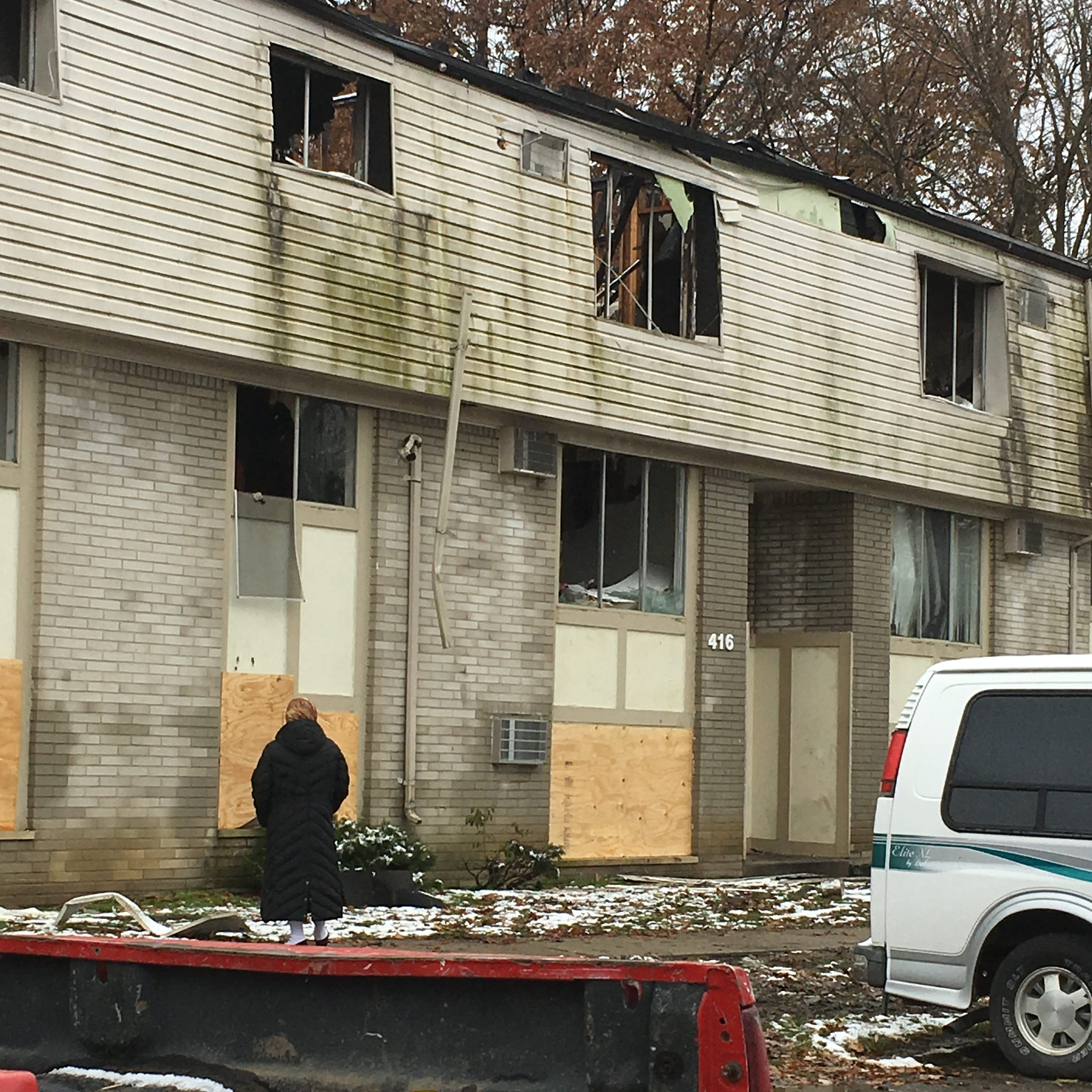 Inkster tenants displaced by fire start to salvage lives