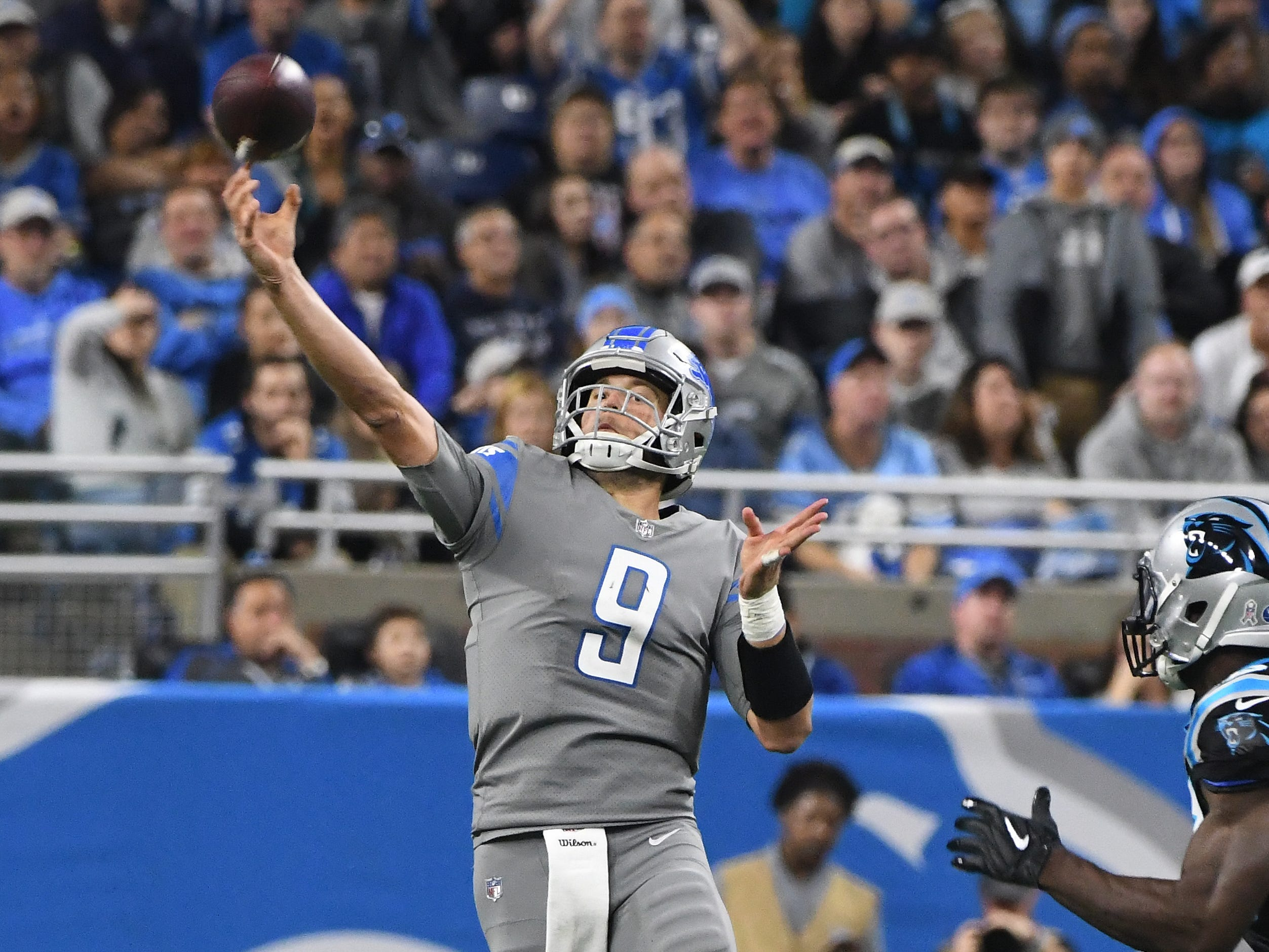 Lions quarterback Matthew Stafford throws a long first down reception to wide receiver Kenny Golladay in the fourth quarter.