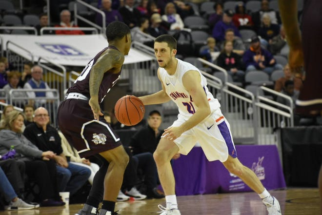 Evansville senior guard Shea Feehan dribbles the ball up the court during Sunday's home game against visiting Texas Southern.
