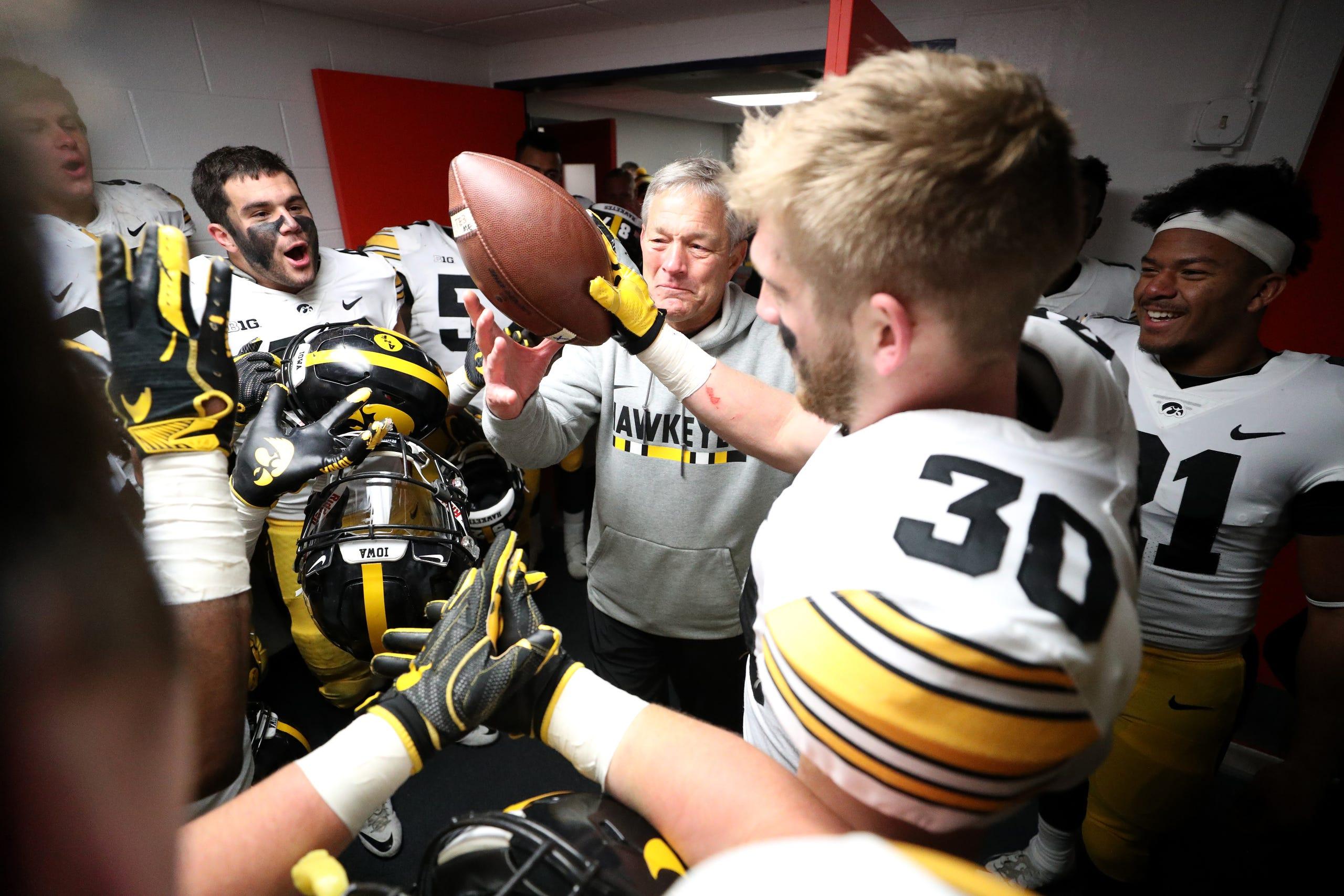 low priced 63bd1 13146 Photos: Iowa Hawkeyes defensive back Jake Gervase