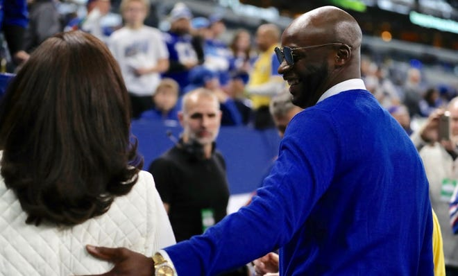 Colts legend Reggie Wayne returns to be added to the Ring of Honor.