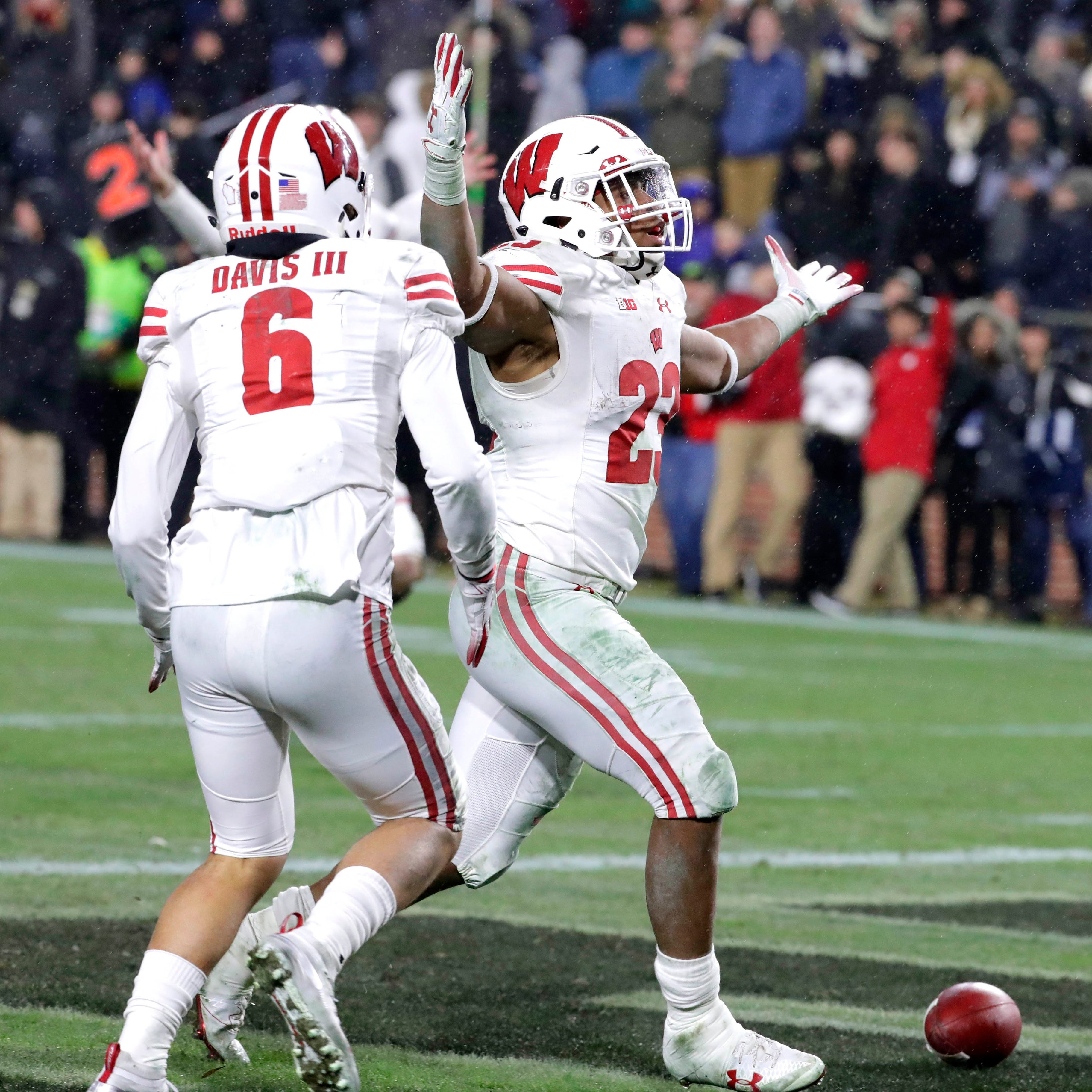 Upon further review: Several UW players made big plays in stunning victory over Purdue
