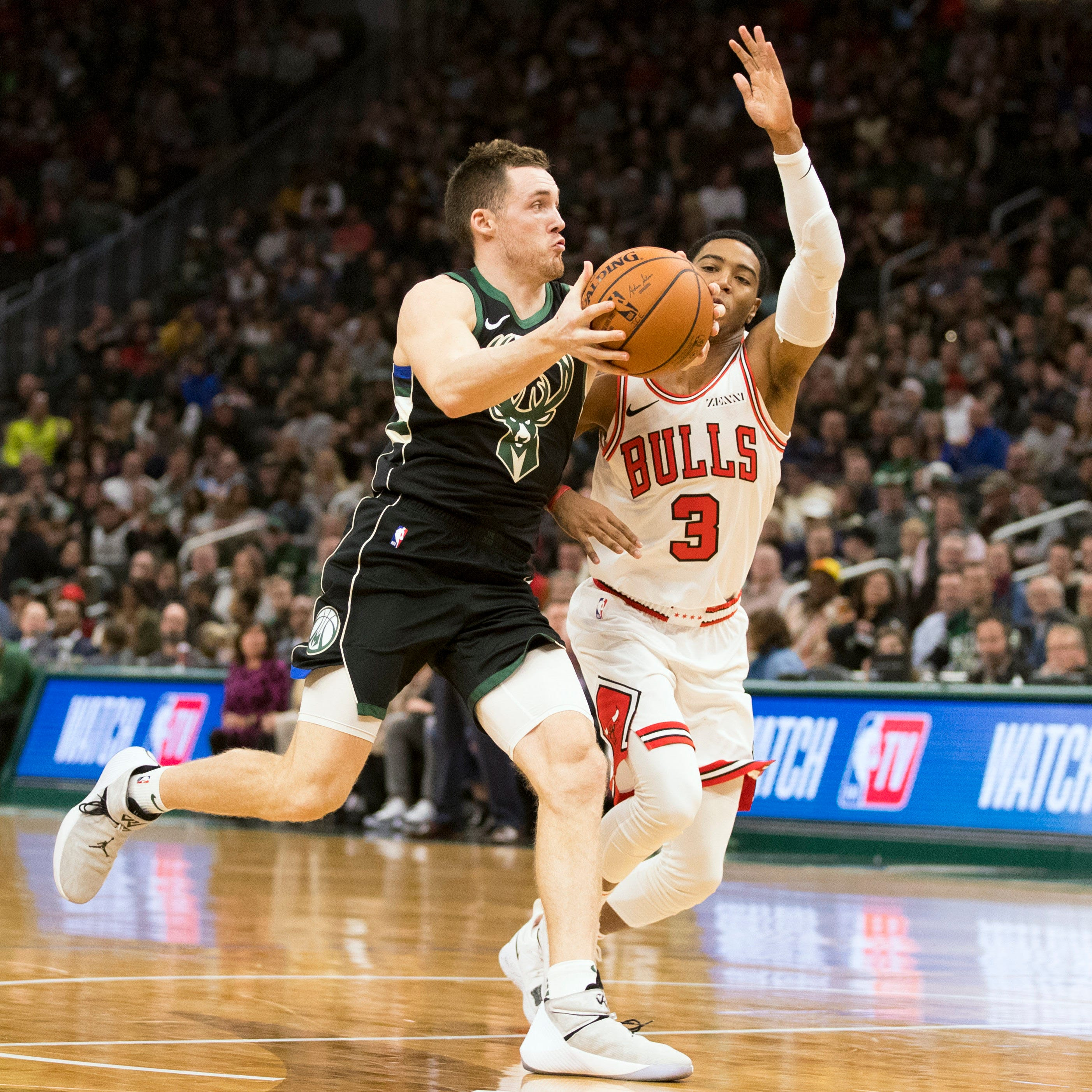 Pat Connaughton making his presence felt, building chemistry with Bucks