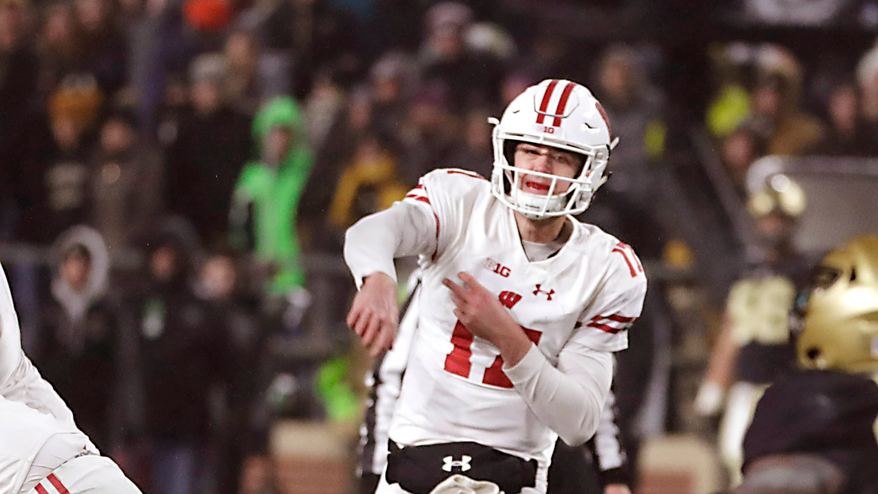 huge discount d9539 87ead Wisconsin's Alex Hornibrook is out for bowl game; Jack Coan ...