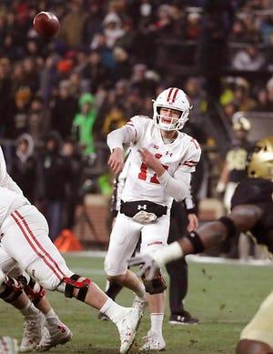 Badgers quarterback Jack Coan finds Wisconsin Badgers tight end Jake Ferguson.