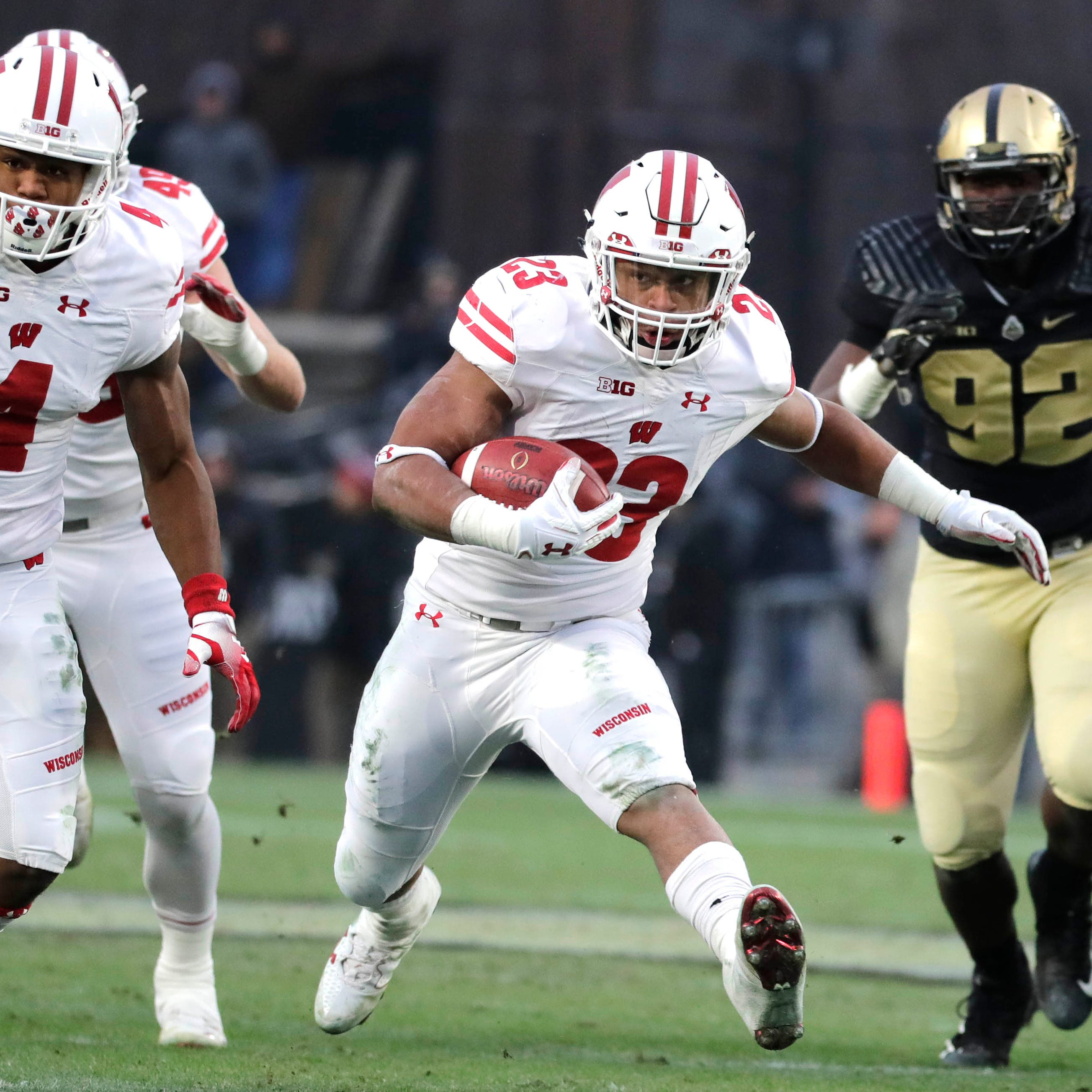 UW 47, Purdue 44 (3 OT): Jonathan Taylor lifts UW in extra session