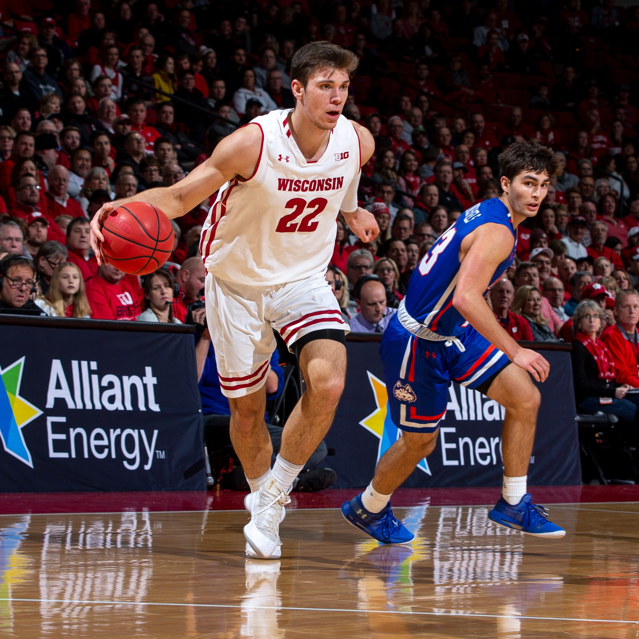 UW 96, Houston Baptist 59: Happ sets rebounding mark; Badgers cruise to victory