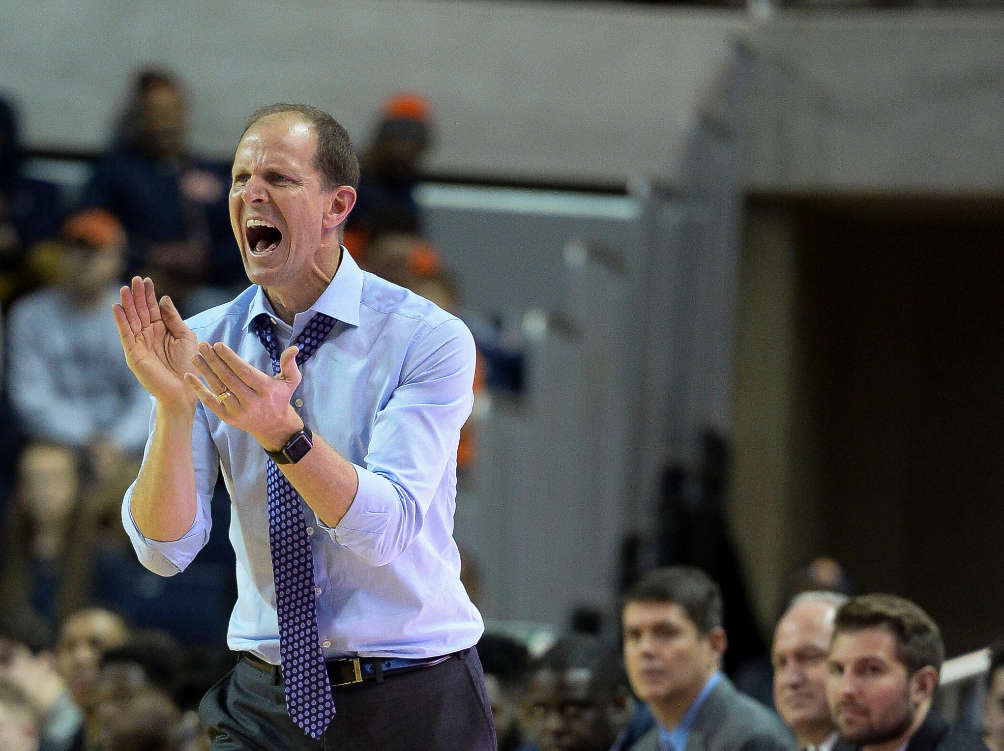 Nov 9, 2018; Auburn, AL, USA; Washington Huskies head coach Mike Hopkins reacts from the sidelines against the Auburn Tigers at Auburn Arena. Mandatory Credit: Julie Bennett-USA TODAY Sports