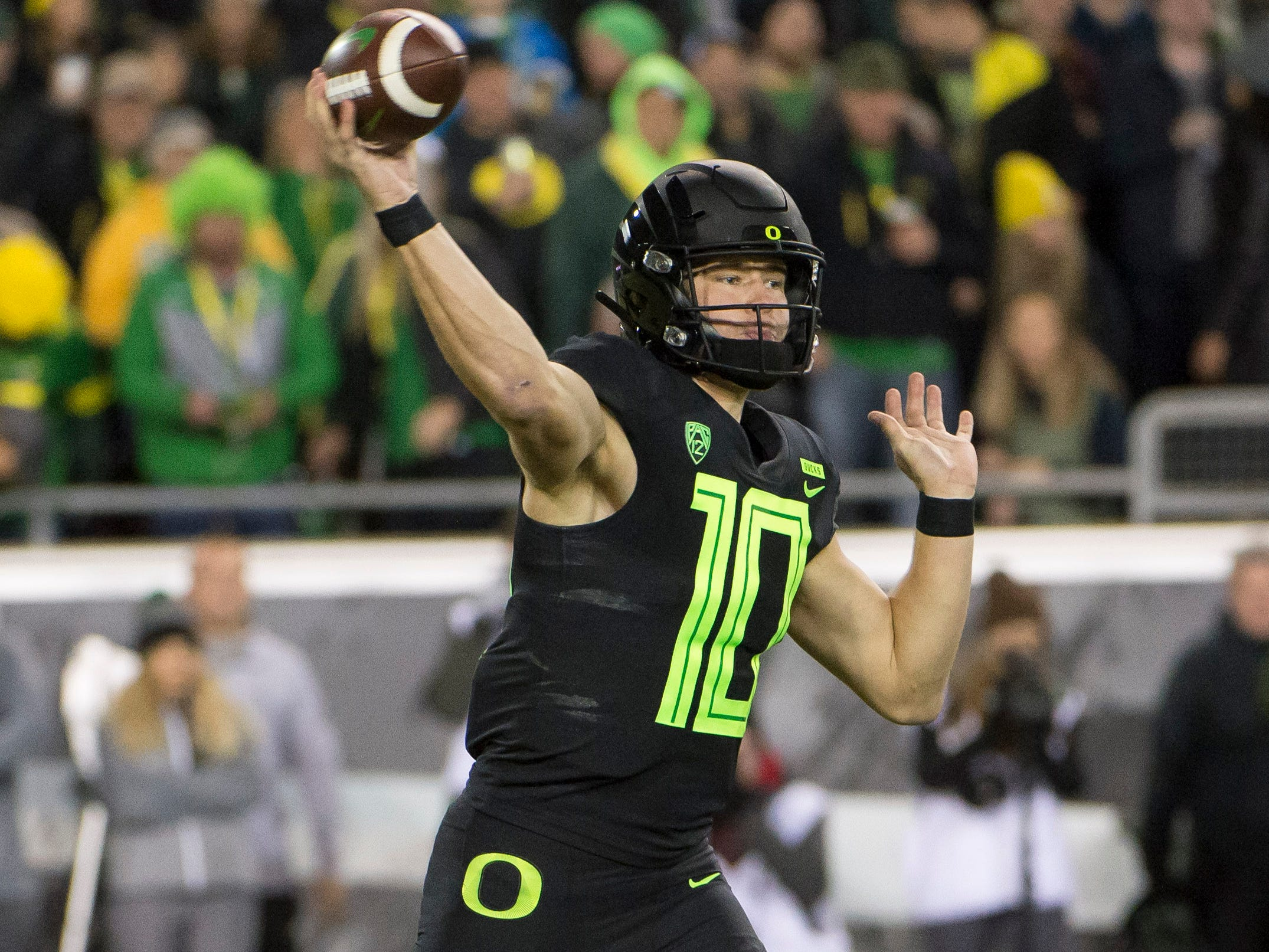 Nov 17, 2018; Eugene, OR, USA; Oregon Ducks quarterback Justin Herbert (10) throws a pass during the first half against the Arizona State Sun Devils at Autzen Stadium. Mandatory Credit: Troy Wayrynen-USA TODAY Sports