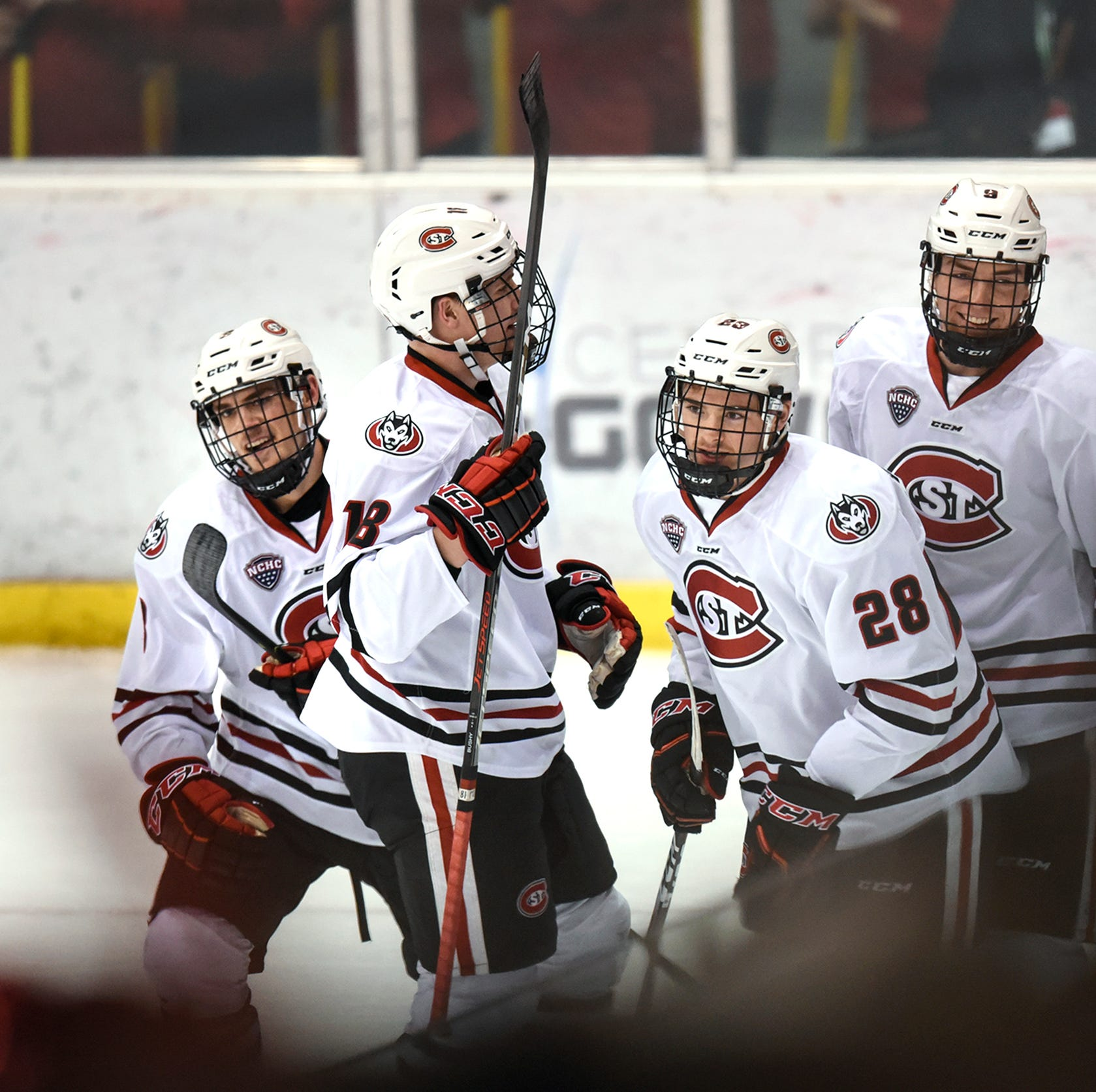 St. Cloud State Huskies sweep Bemidji State Beavers; win sixth in a row